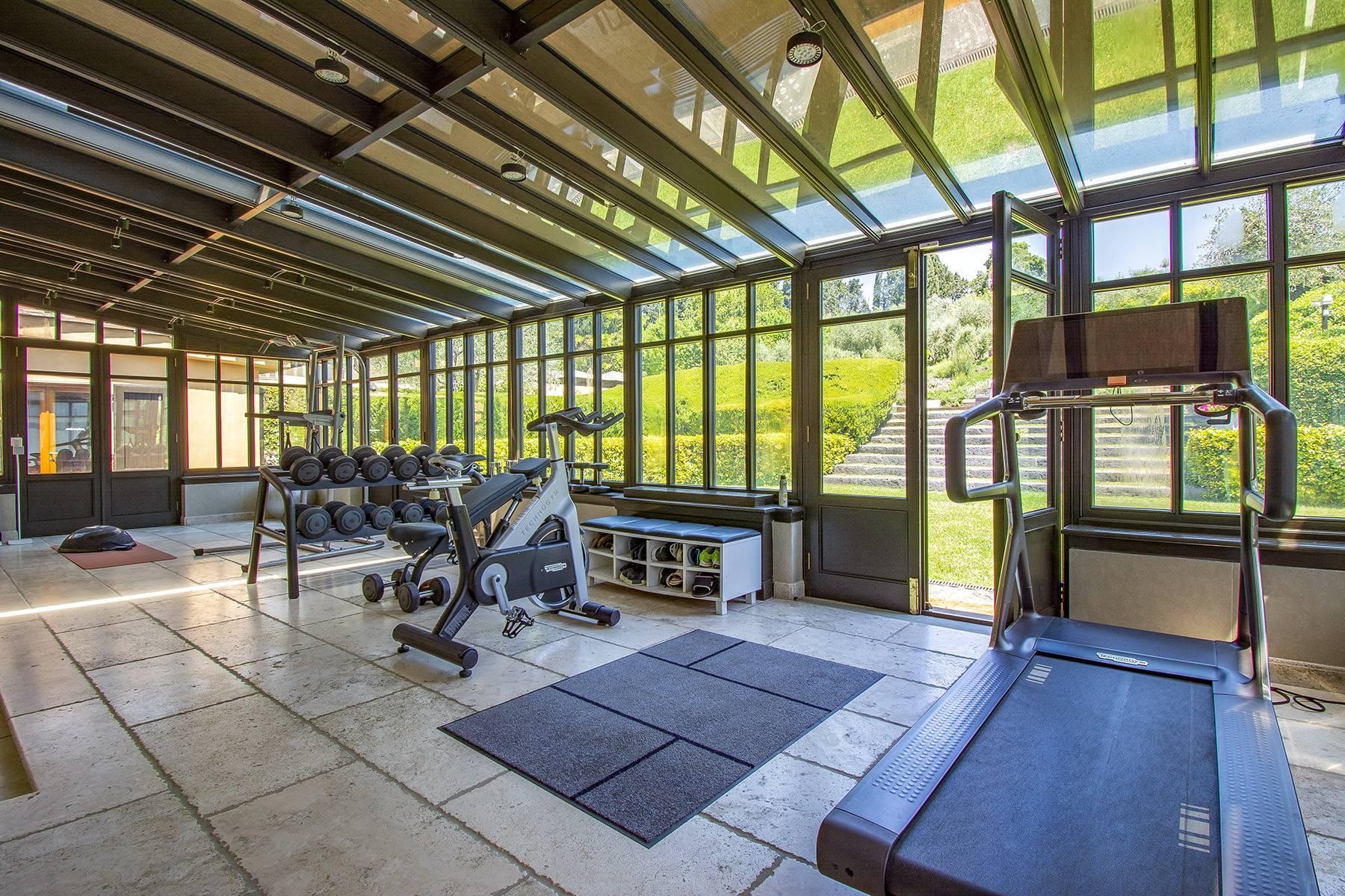 Außergewöhnliche Villa auf den Hügeln um Florenz mit Swimmingpool und Fitnessraum - 11