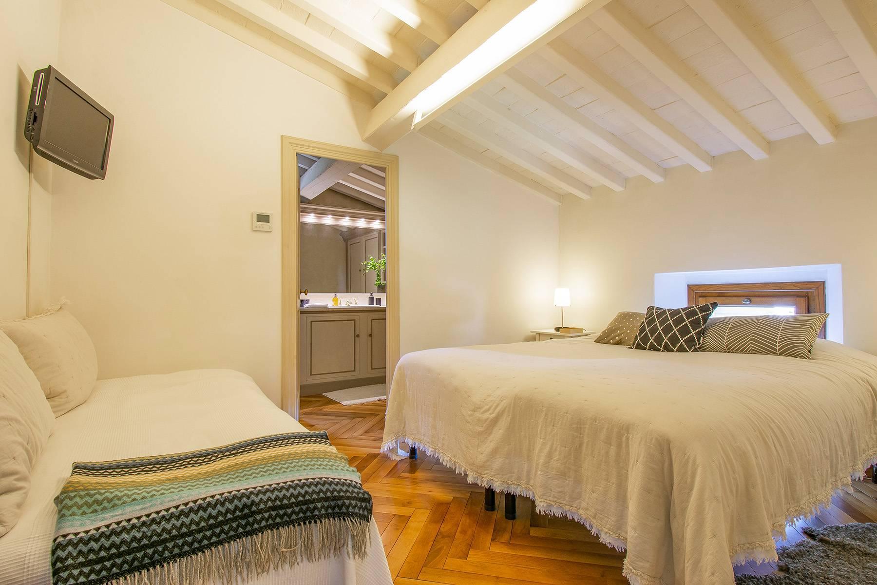 Außergewöhnliche Villa auf den Hügeln um Florenz mit Swimmingpool und Fitnessraum - 24
