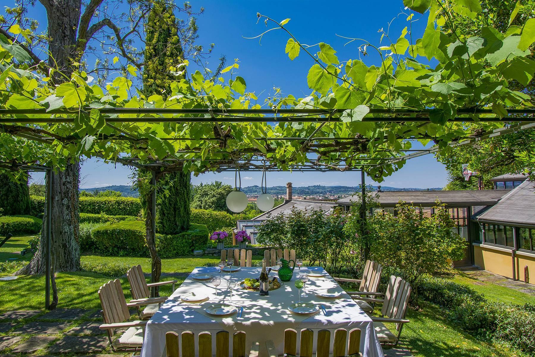 Außergewöhnliche Villa auf den Hügeln um Florenz mit Swimmingpool und Fitnessraum - 4