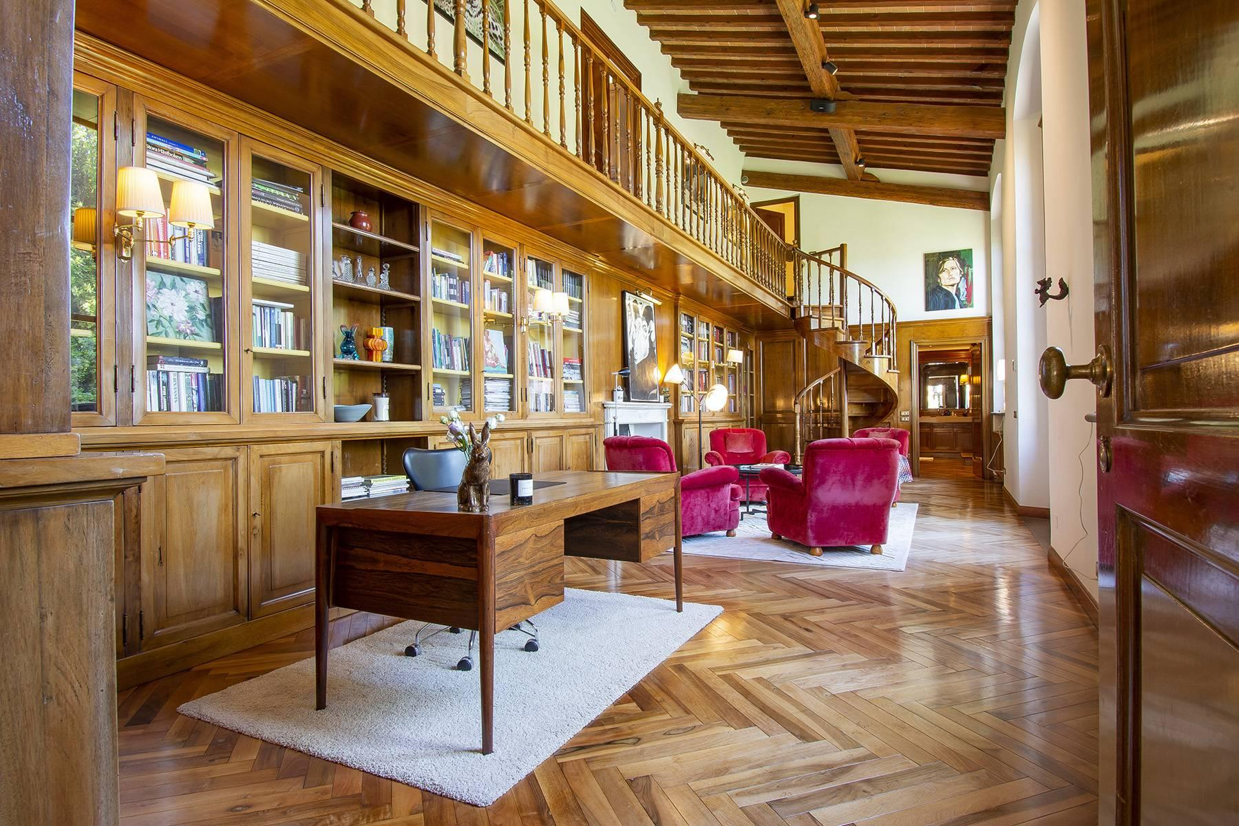 Außergewöhnliche Villa auf den Hügeln um Florenz mit Swimmingpool und Fitnessraum - 18