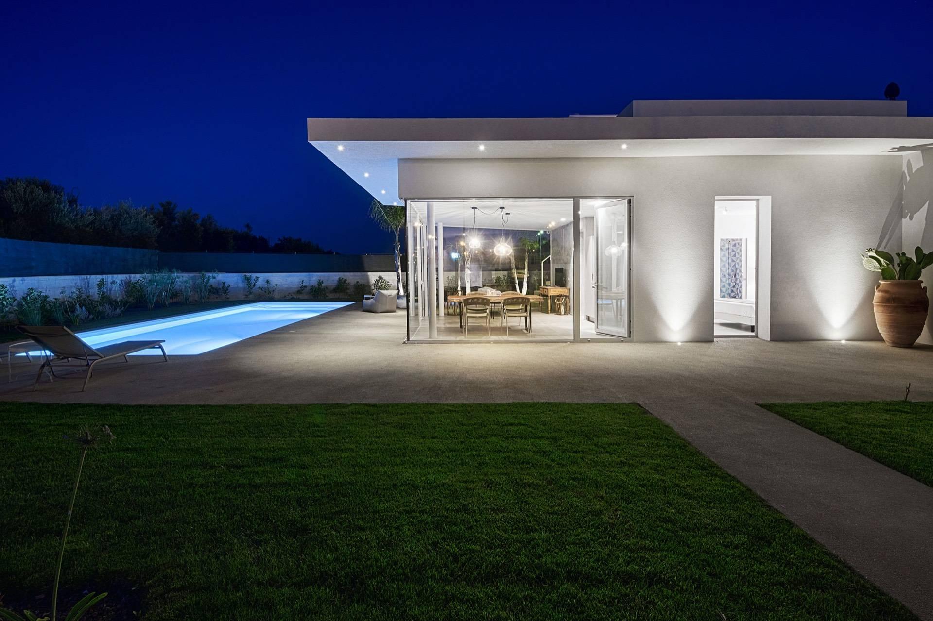 Villa indipendente con piscina a pochi passi dal mare - 1