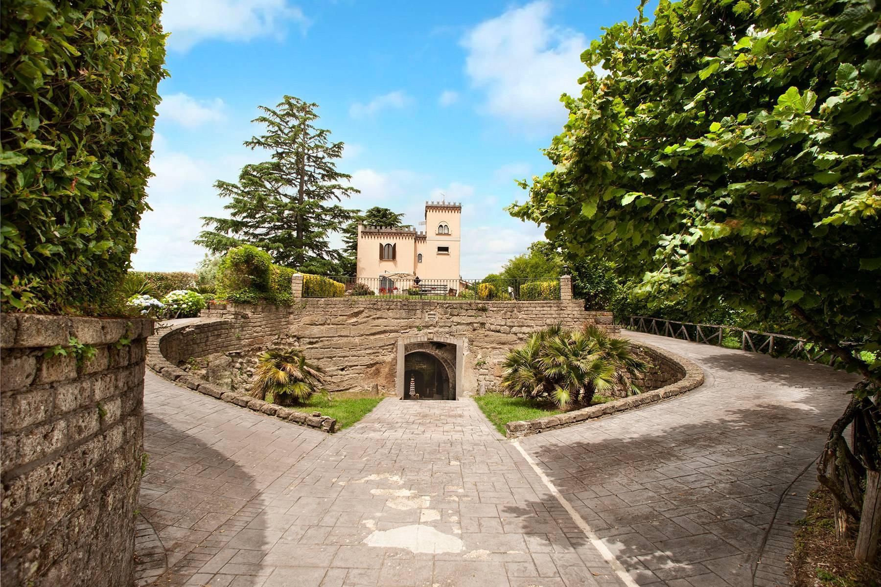 Renoviertes Schloss mitten im Grünen - 2