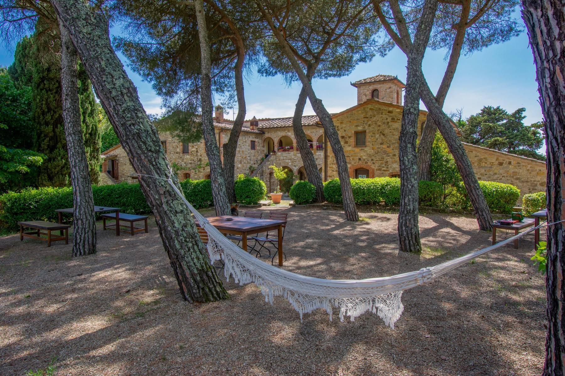 Esclusive wine estate in the heart of Chianti classico - 16