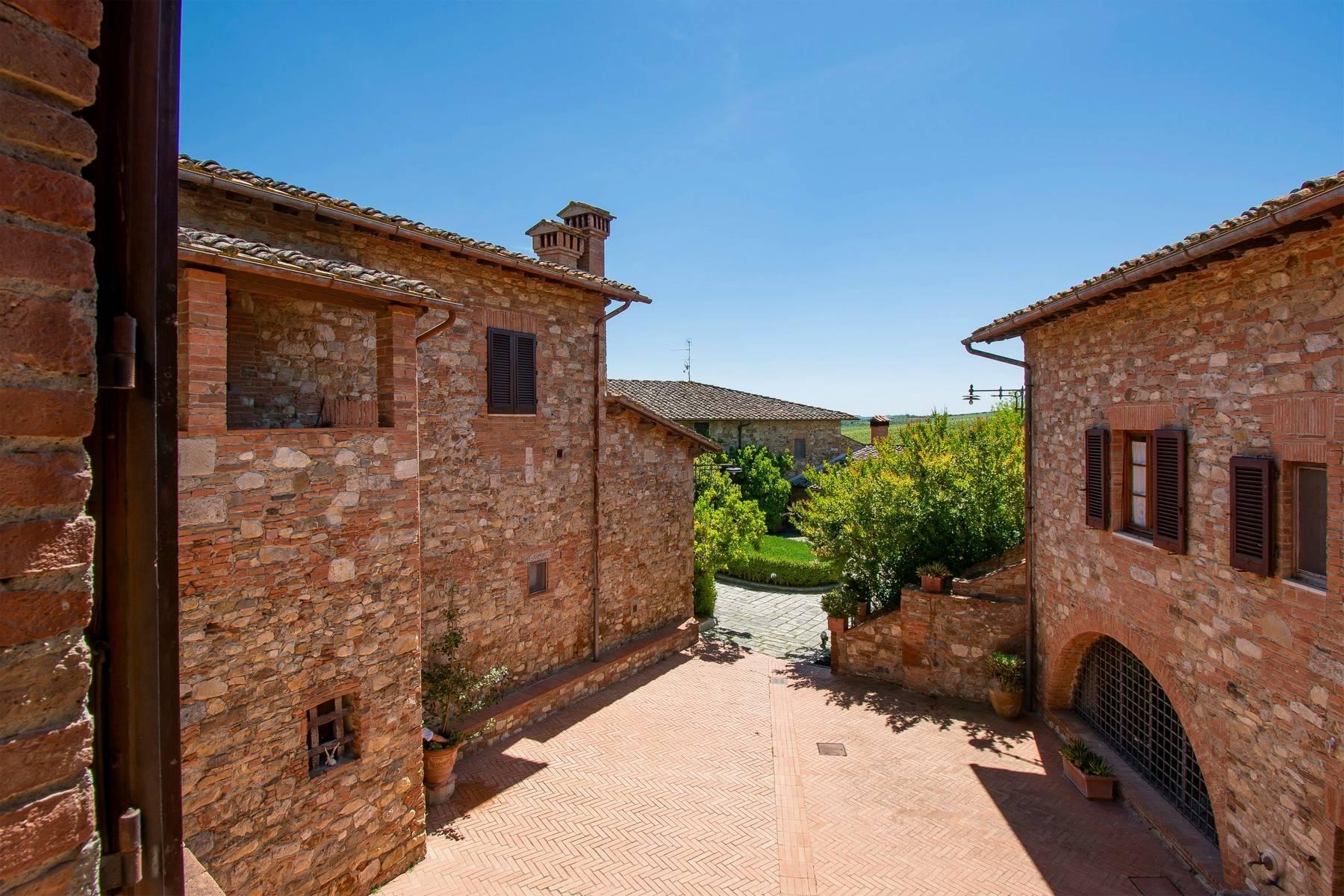 Esclusive wine estate in the heart of Chianti classico - 28