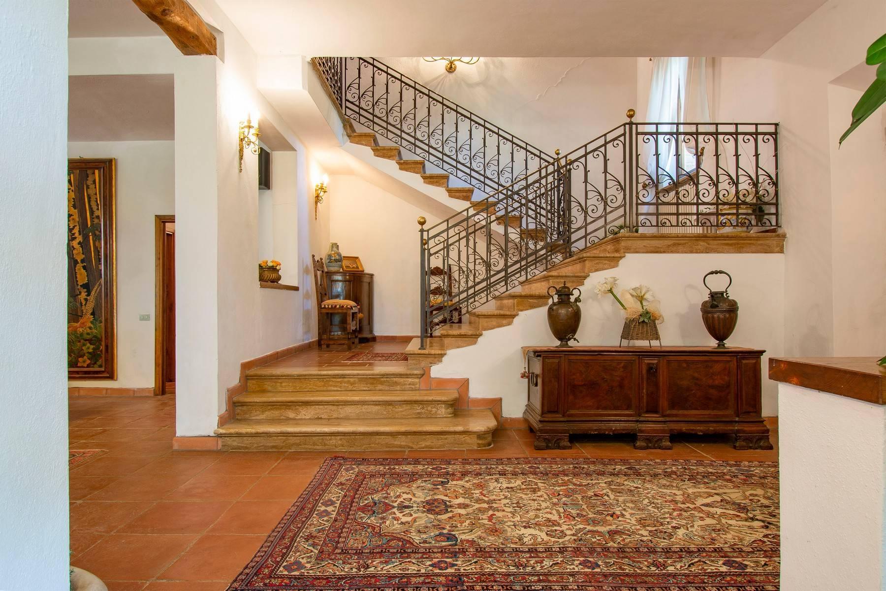 Esclusive wine estate in the heart of Chianti classico - 9