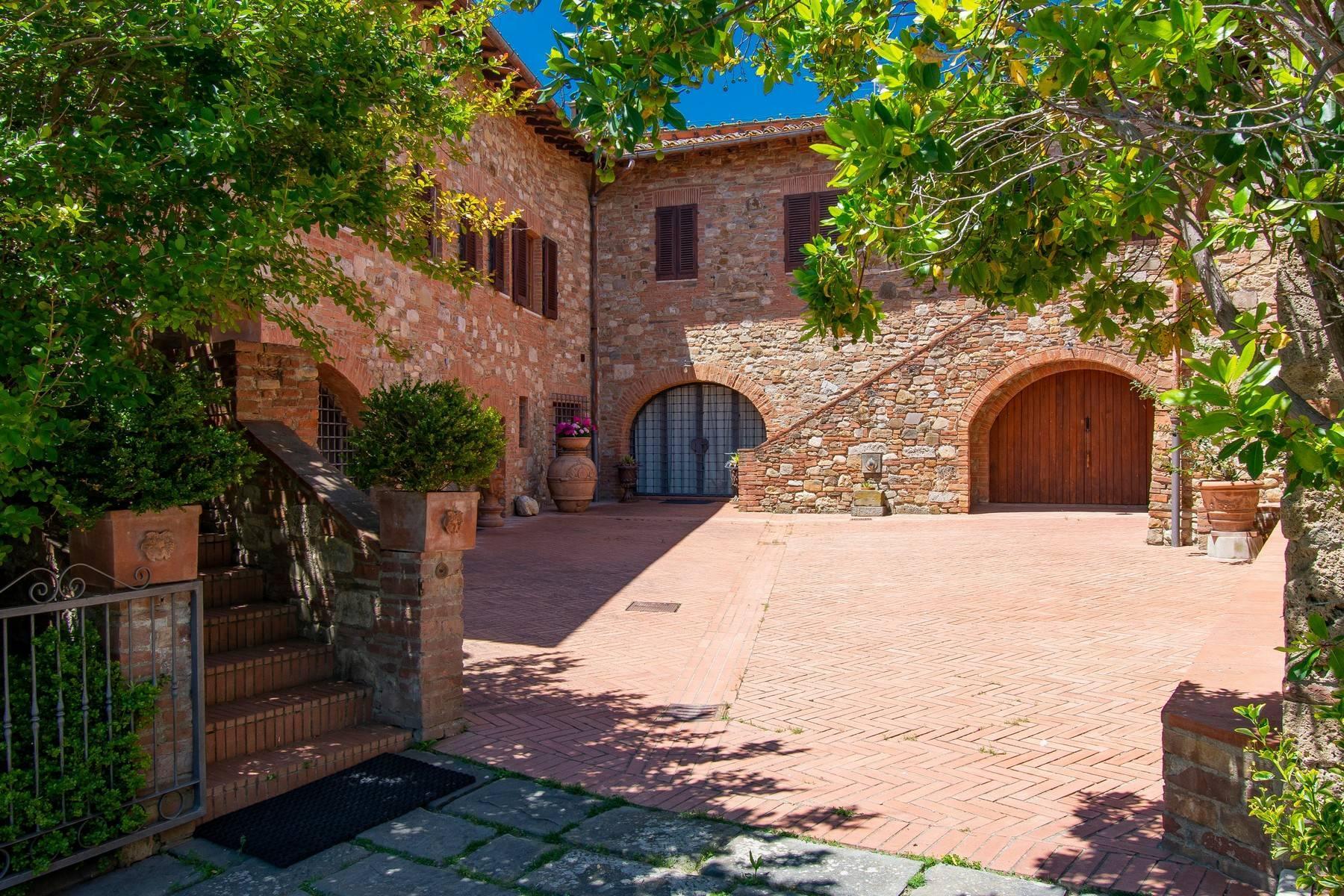 Esclusive wine estate in the heart of Chianti classico - 36