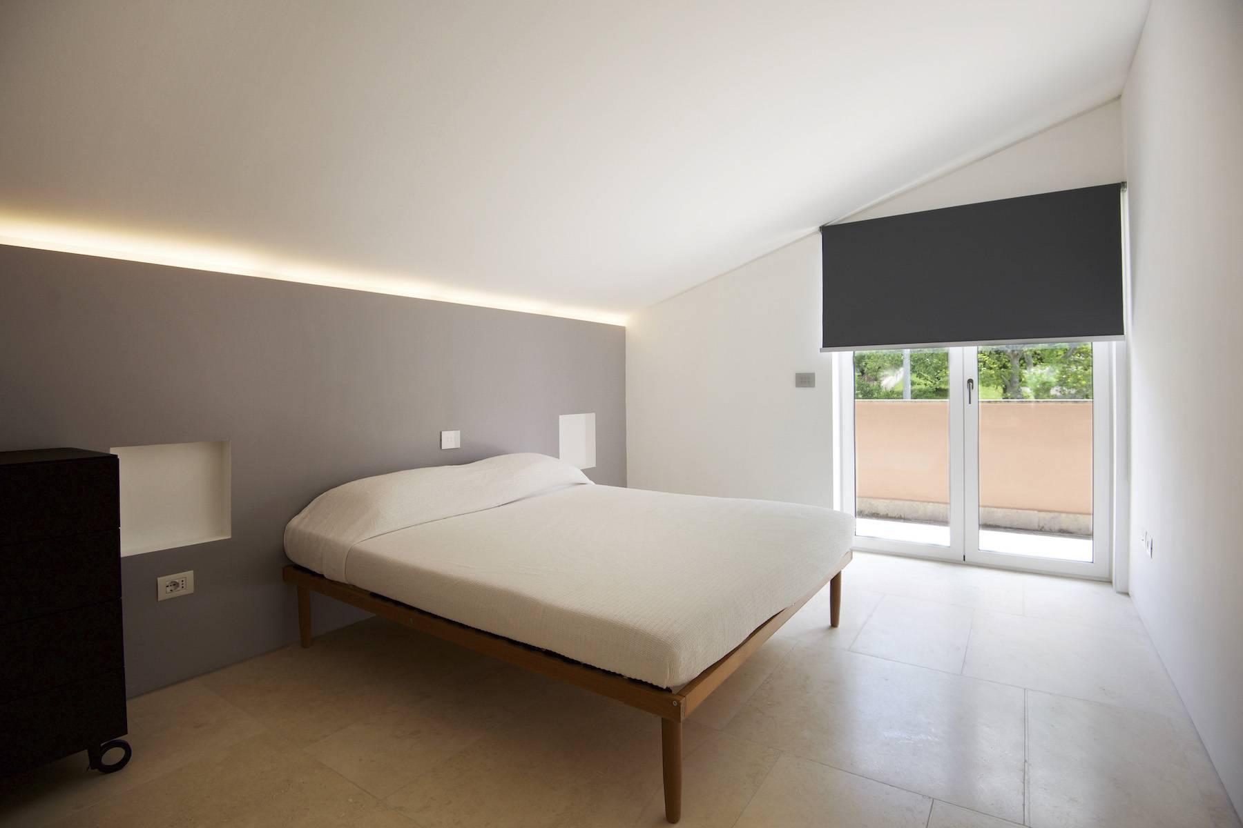 Modern penthouse overlooking Lake Bracciano - 11