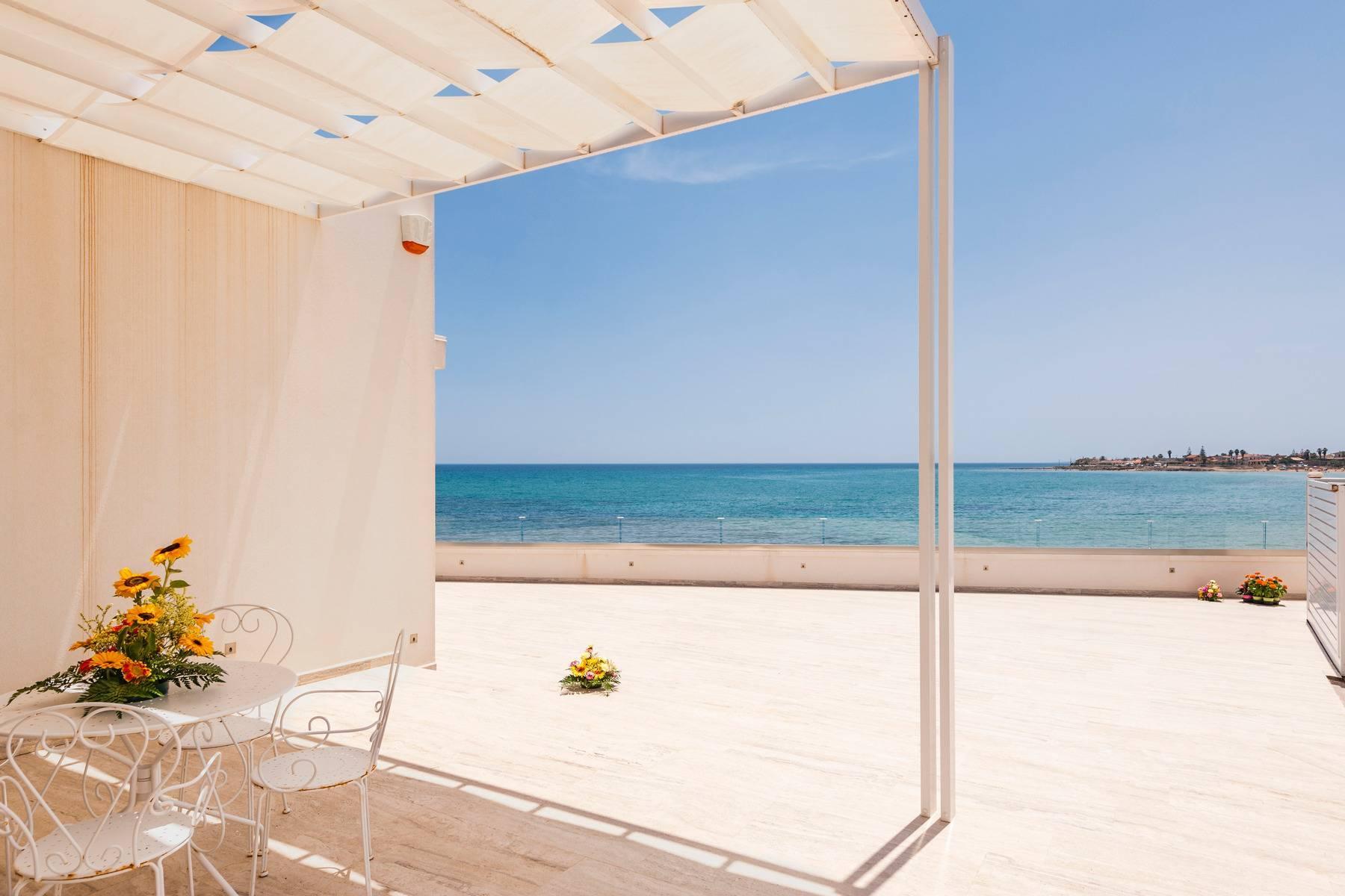 Exclusive villa with sea view in Avola - 2