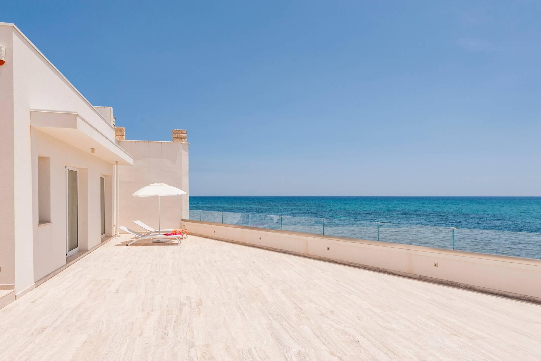 Exclusive villa with sea view in Avola - 1