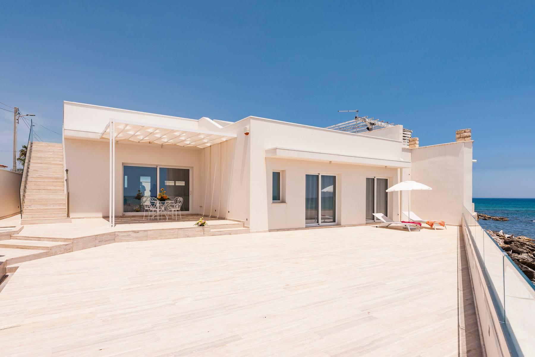 Exclusive villa with sea view in Avola - 4