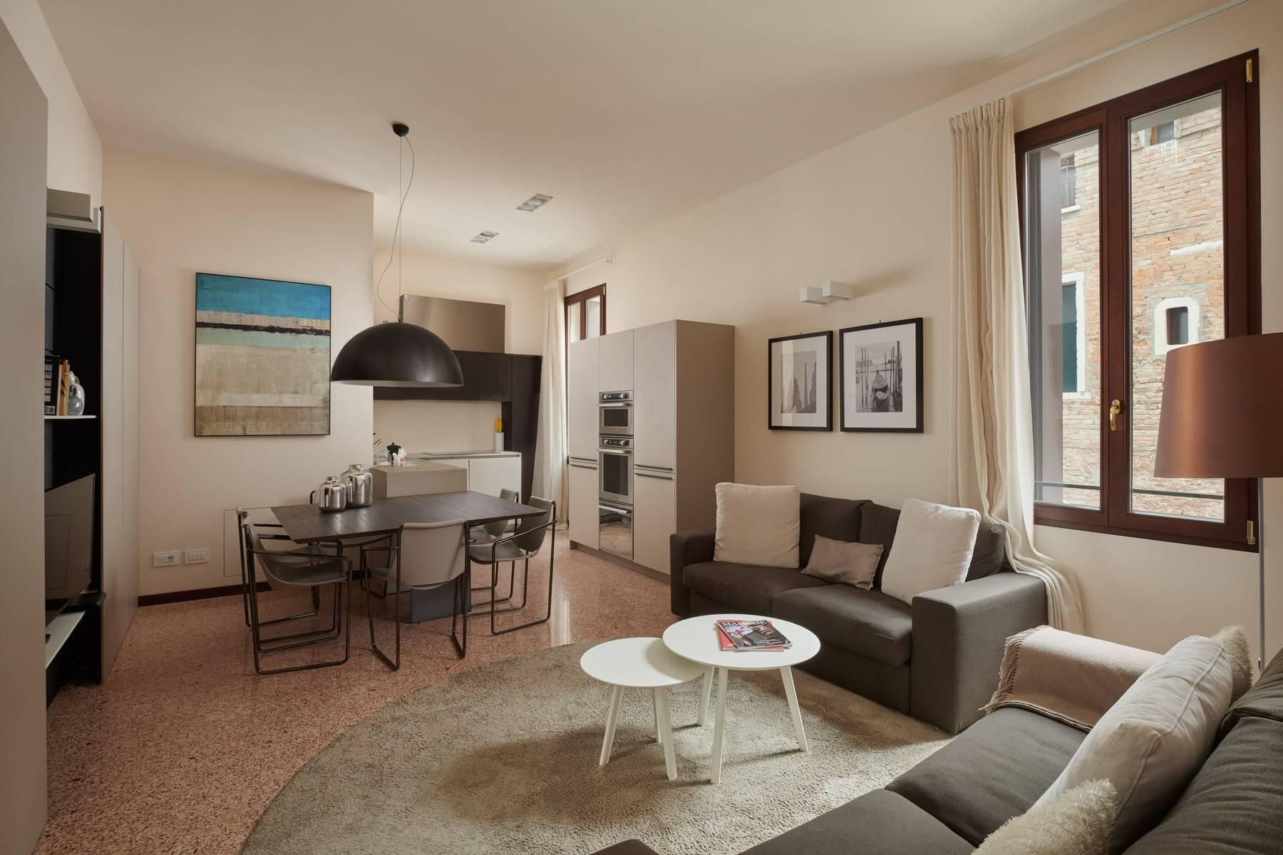 Stylish apartment with private balcony and stunning views - 2