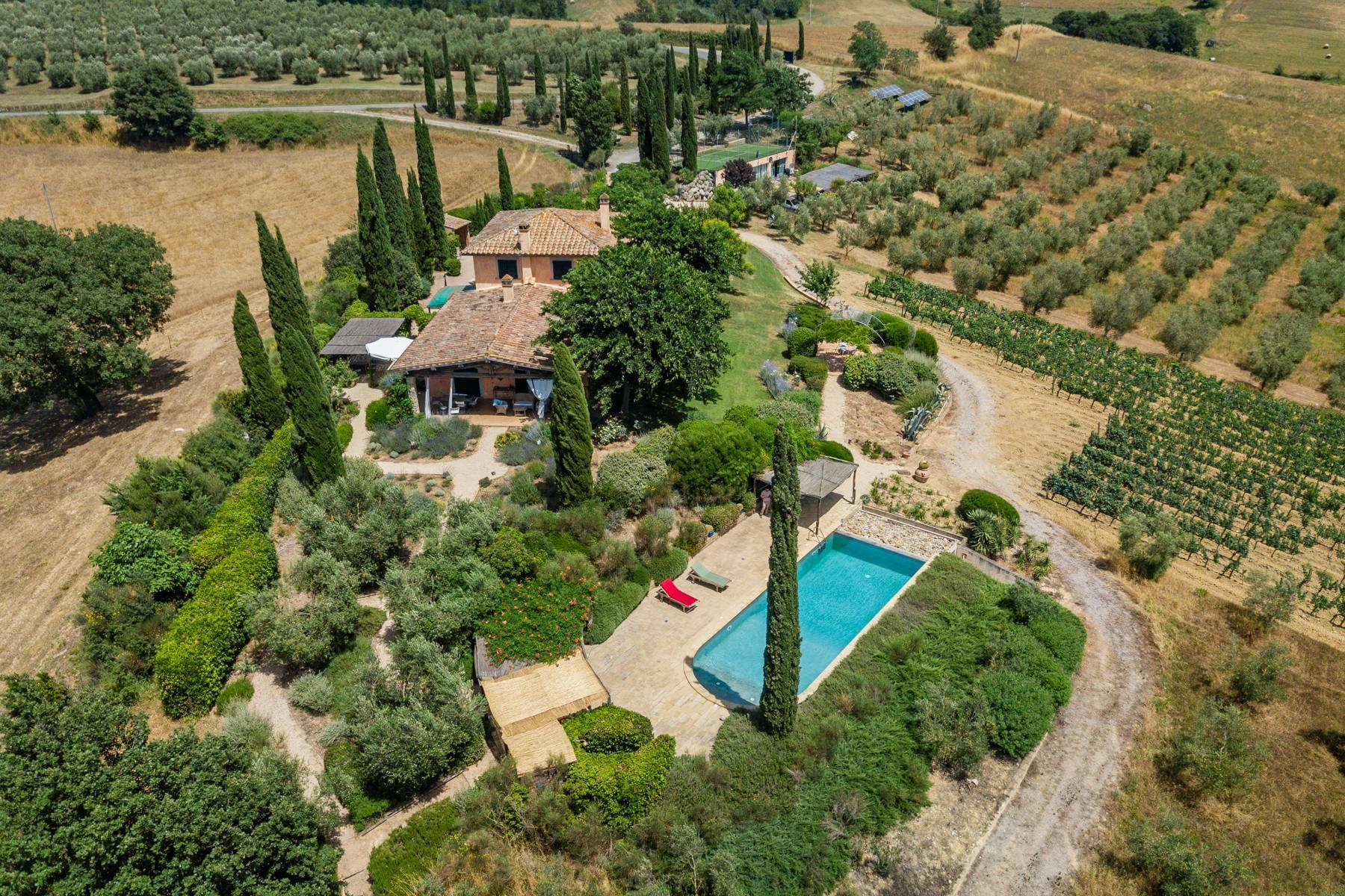 Spendida villa con piscina - 38