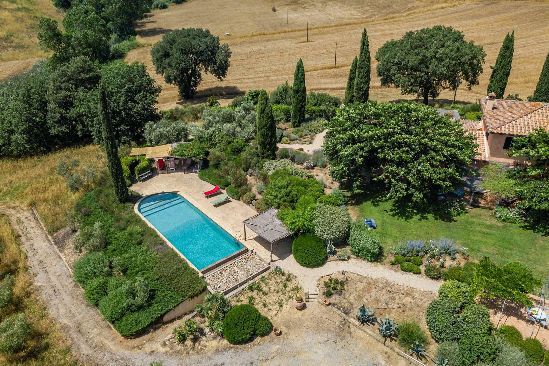 Spendida villa con piscina - 40