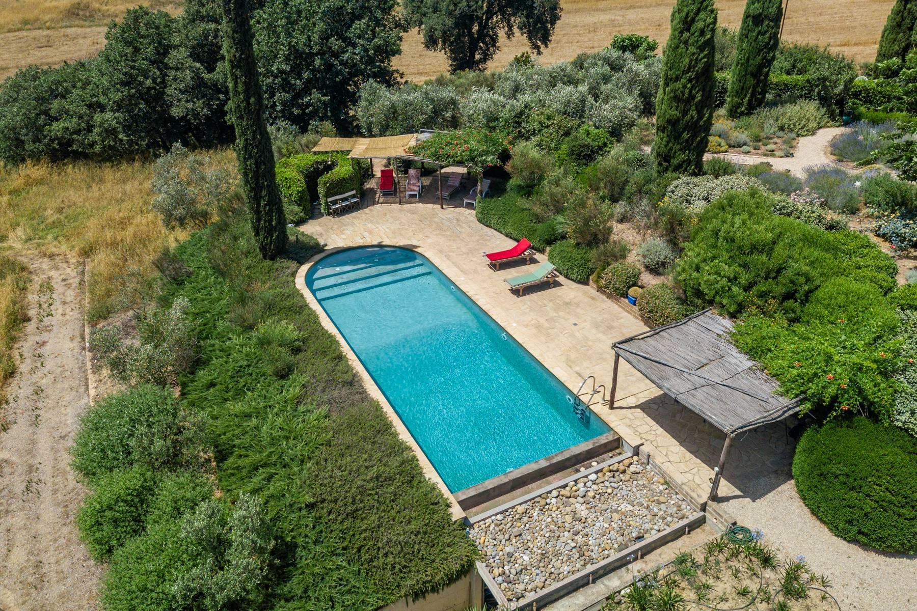 Spendida villa con piscina - 41