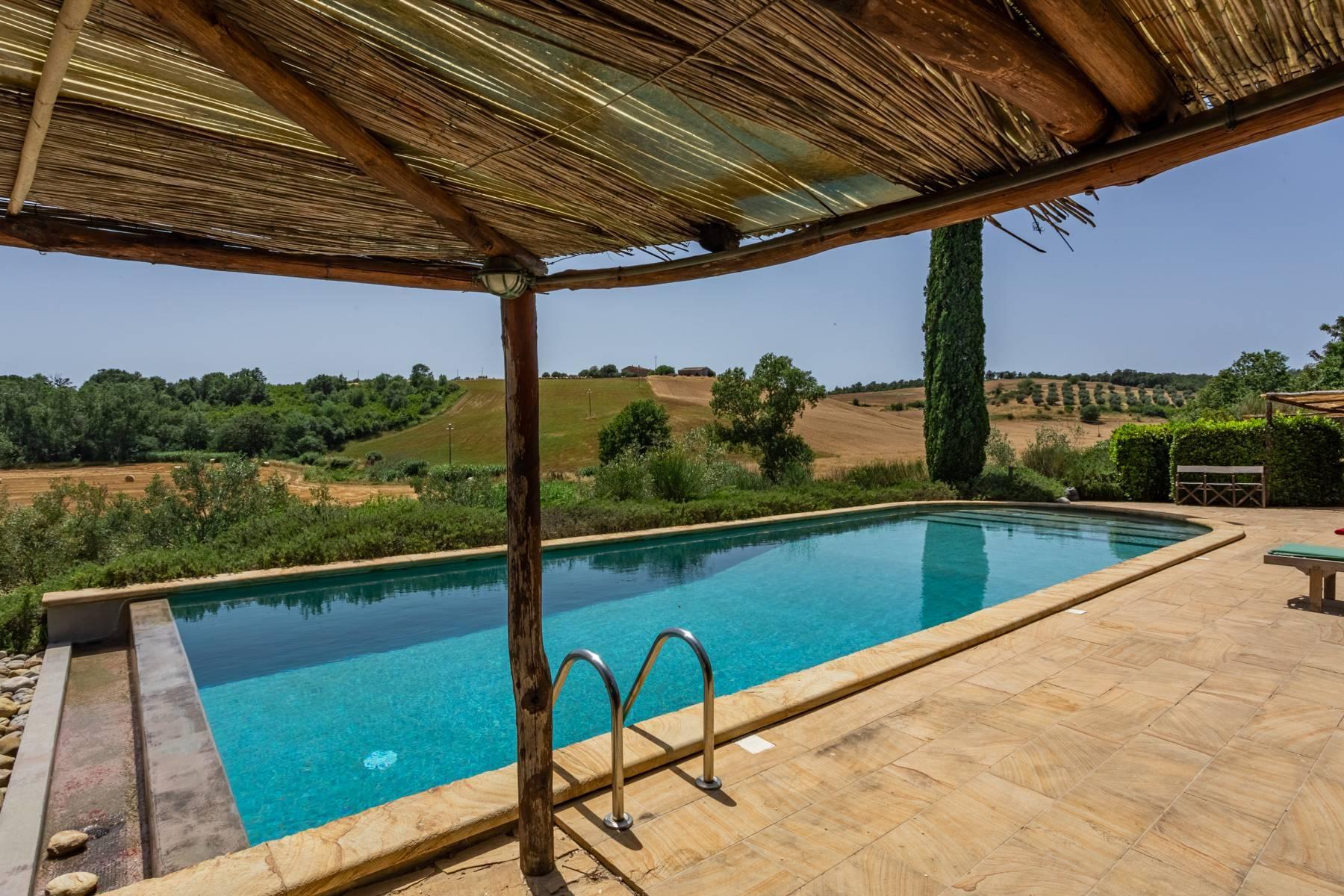 Spendida villa con piscina - 42