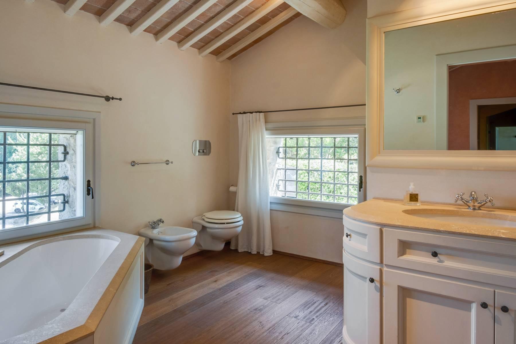 Fabelhaft renoviertes Bauernhaus auf den Hügeln mit Schwimmbad und landwirtschaftlichem Anwesen mit Weinbergen - 21