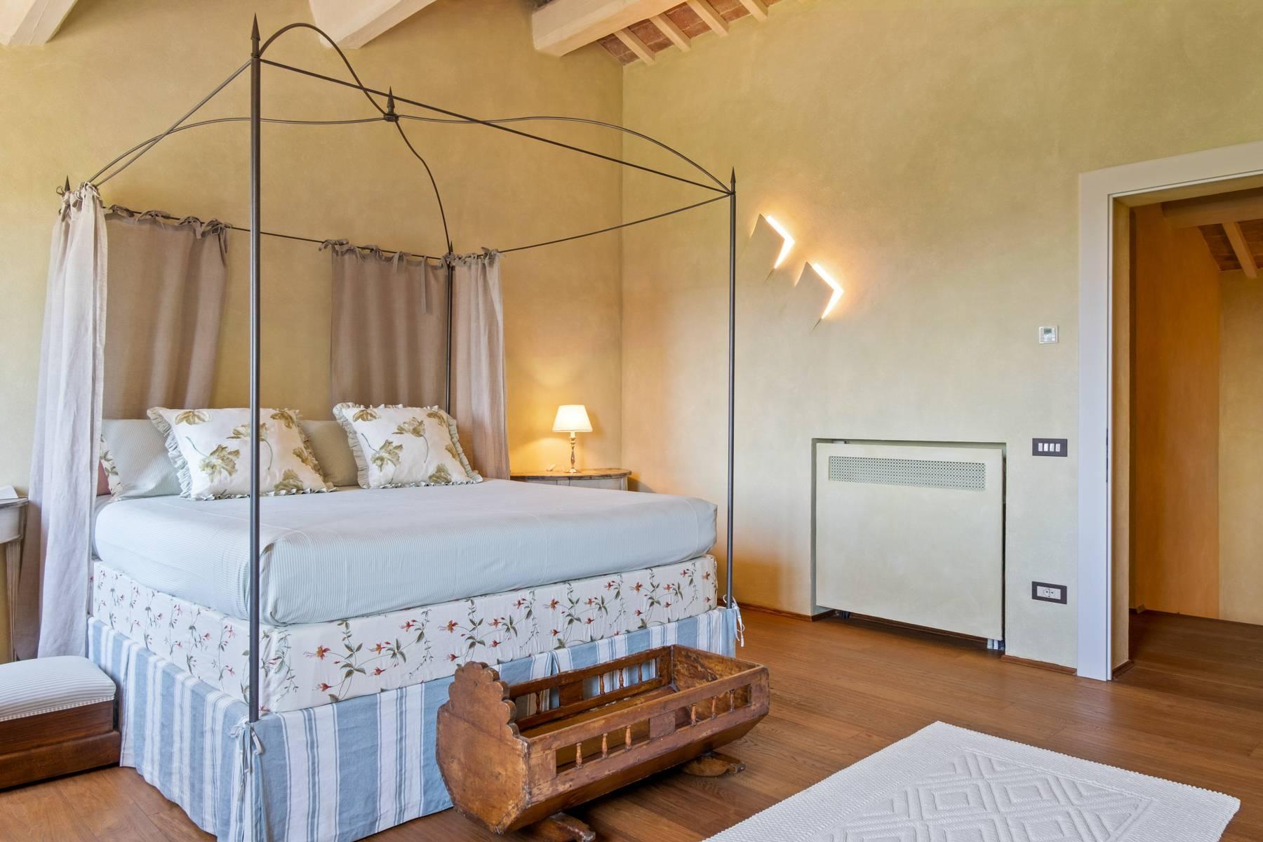 Fabelhaft renoviertes Bauernhaus auf den Hügeln mit Schwimmbad und landwirtschaftlichem Anwesen mit Weinbergen - 26
