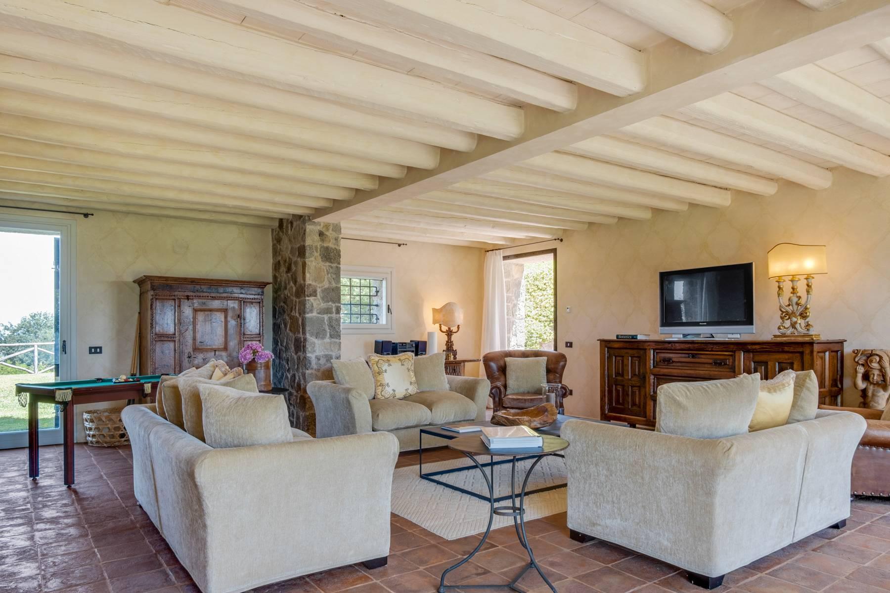 Fabelhaft renoviertes Bauernhaus auf den Hügeln mit Schwimmbad und landwirtschaftlichem Anwesen mit Weinbergen - 7