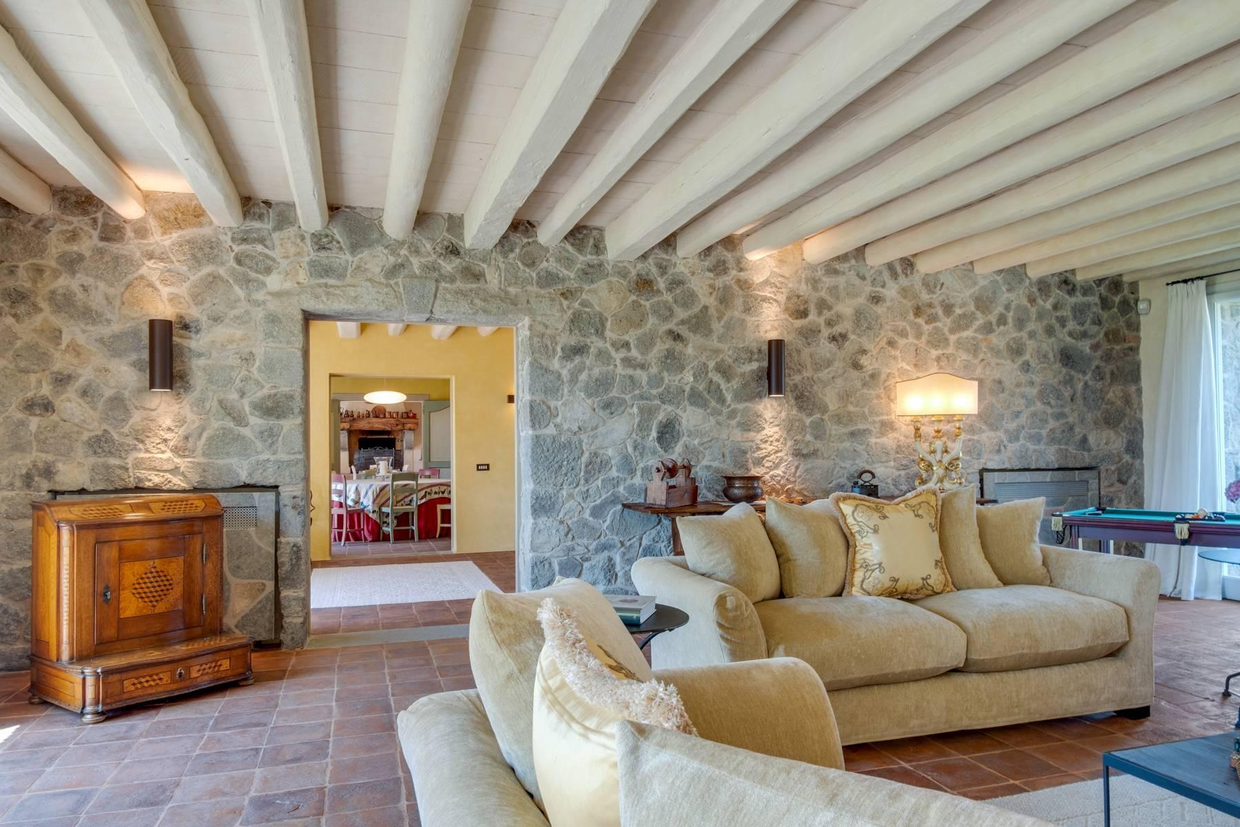 Fabelhaft renoviertes Bauernhaus auf den Hügeln mit Schwimmbad und landwirtschaftlichem Anwesen mit Weinbergen - 6