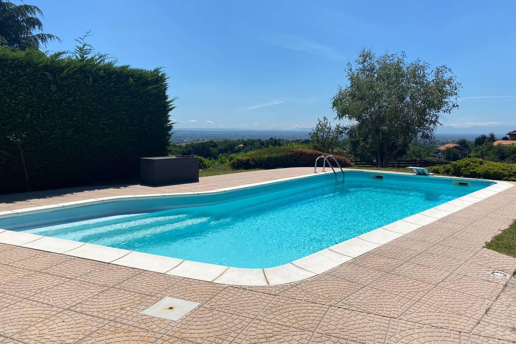 Villa moderna con giardino privato e piscina - 2