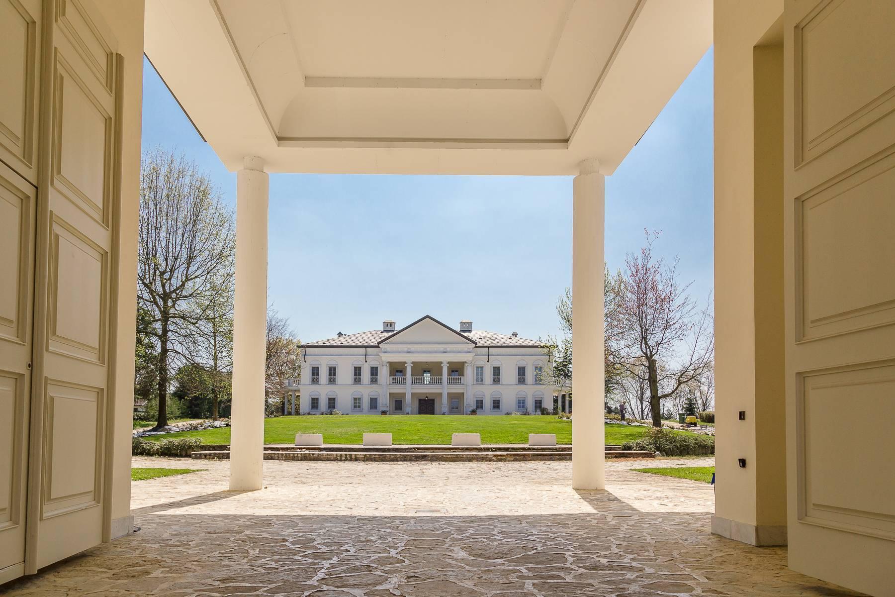 坐落在米兰和都灵之间的白宫 - 13