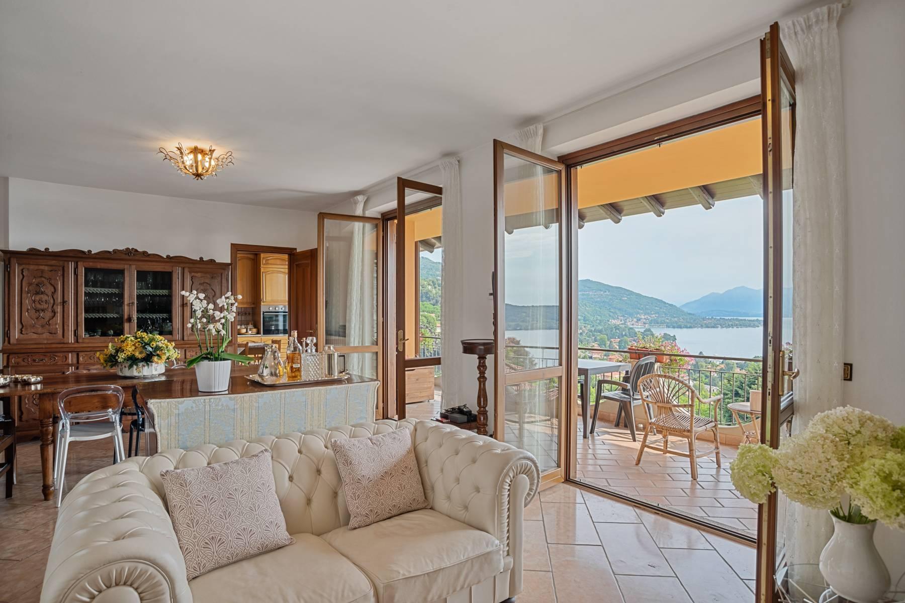 Villa sulle colline di Meina con vista lago - 10