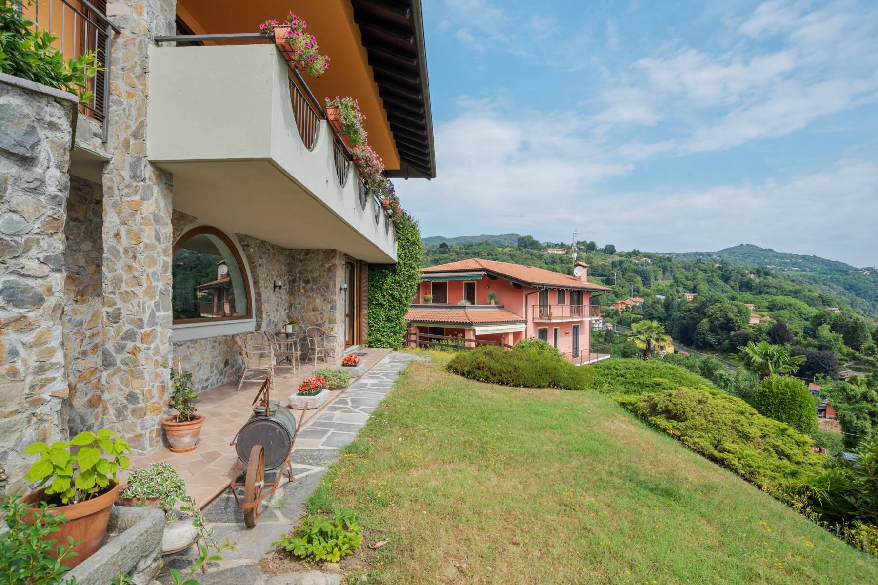 Villa sulle colline di Meina con vista lago - 26