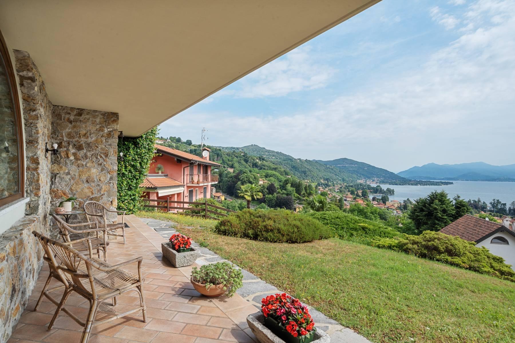 Villa sulle colline di Meina con vista lago - 5