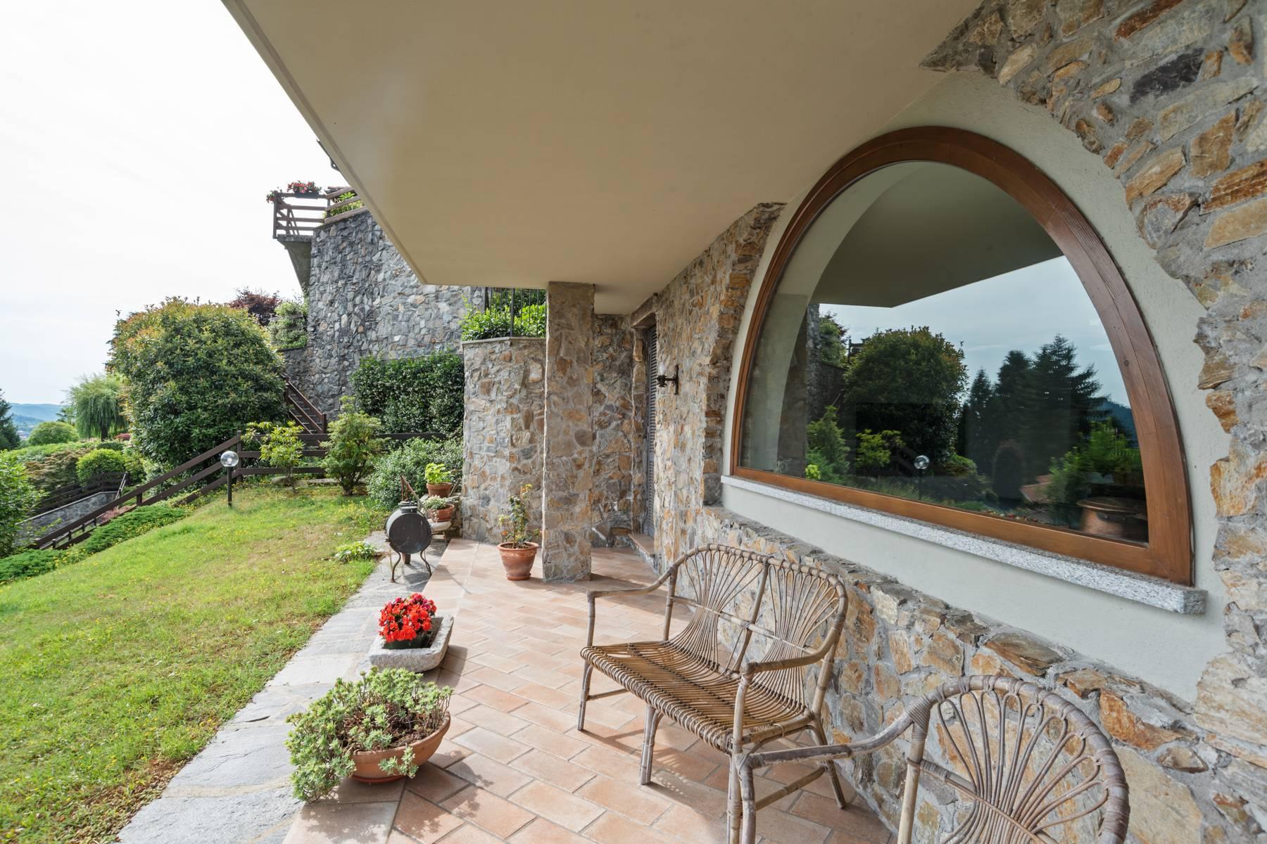 Villa sulle colline di Meina con vista lago - 28