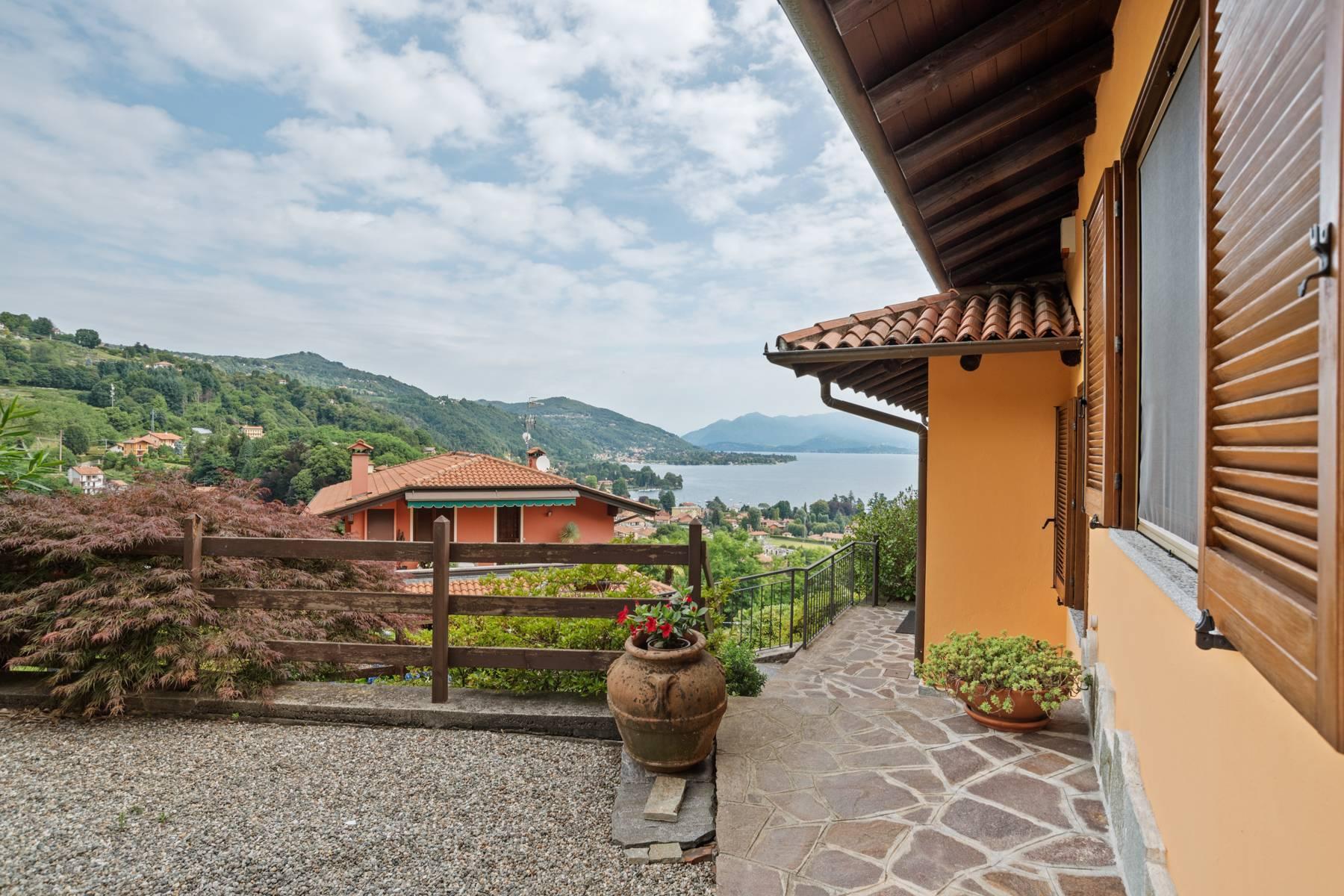 Villa sulle colline di Meina con vista lago - 31