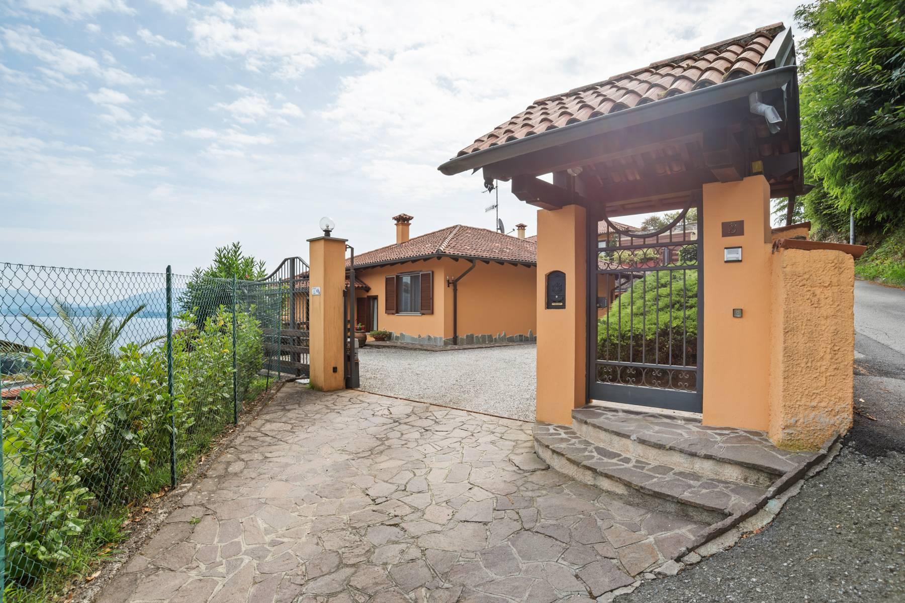 Villa sulle colline di Meina con vista lago - 32