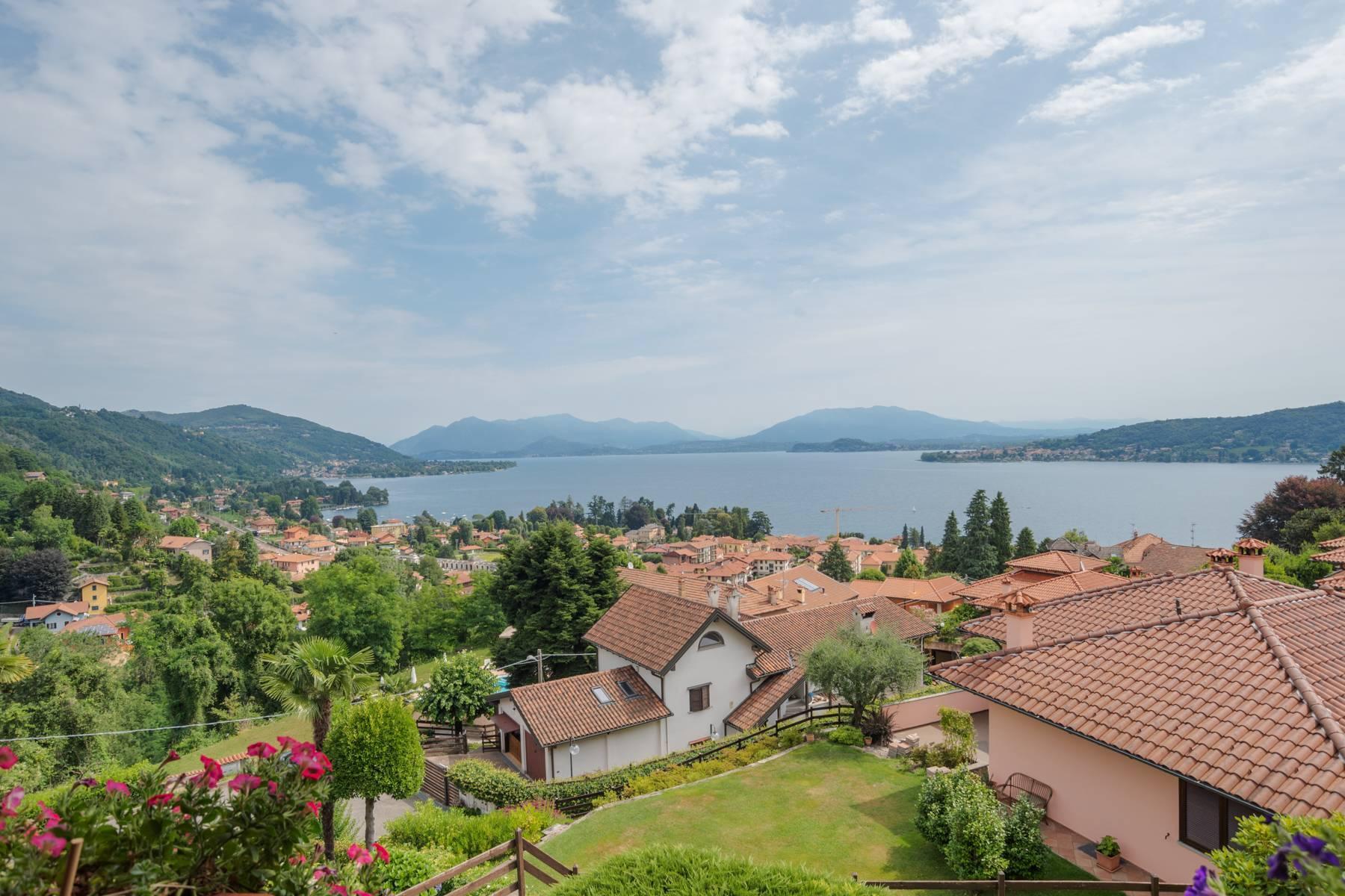 Villa sulle colline di Meina con vista lago - 35