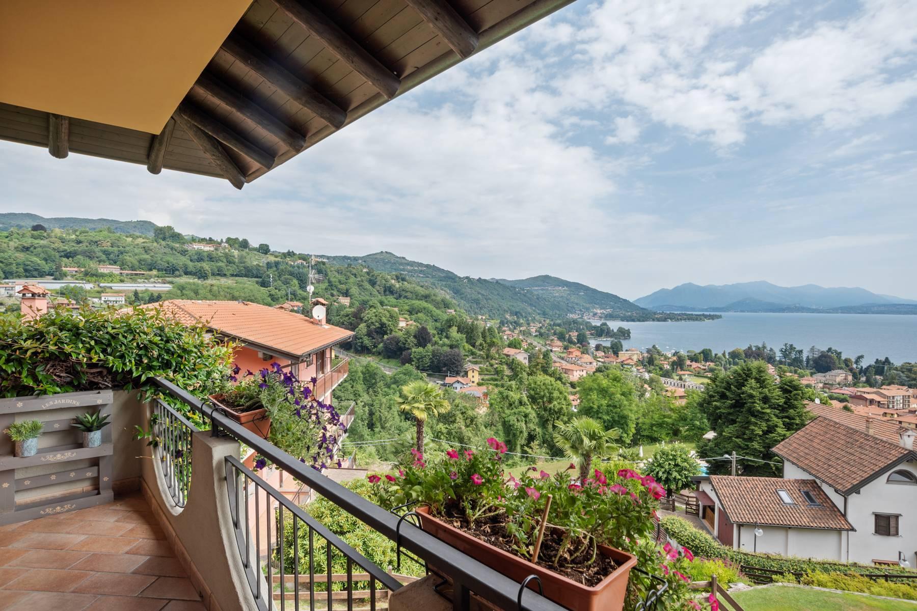 Villa sulle colline di Meina con vista lago - 36