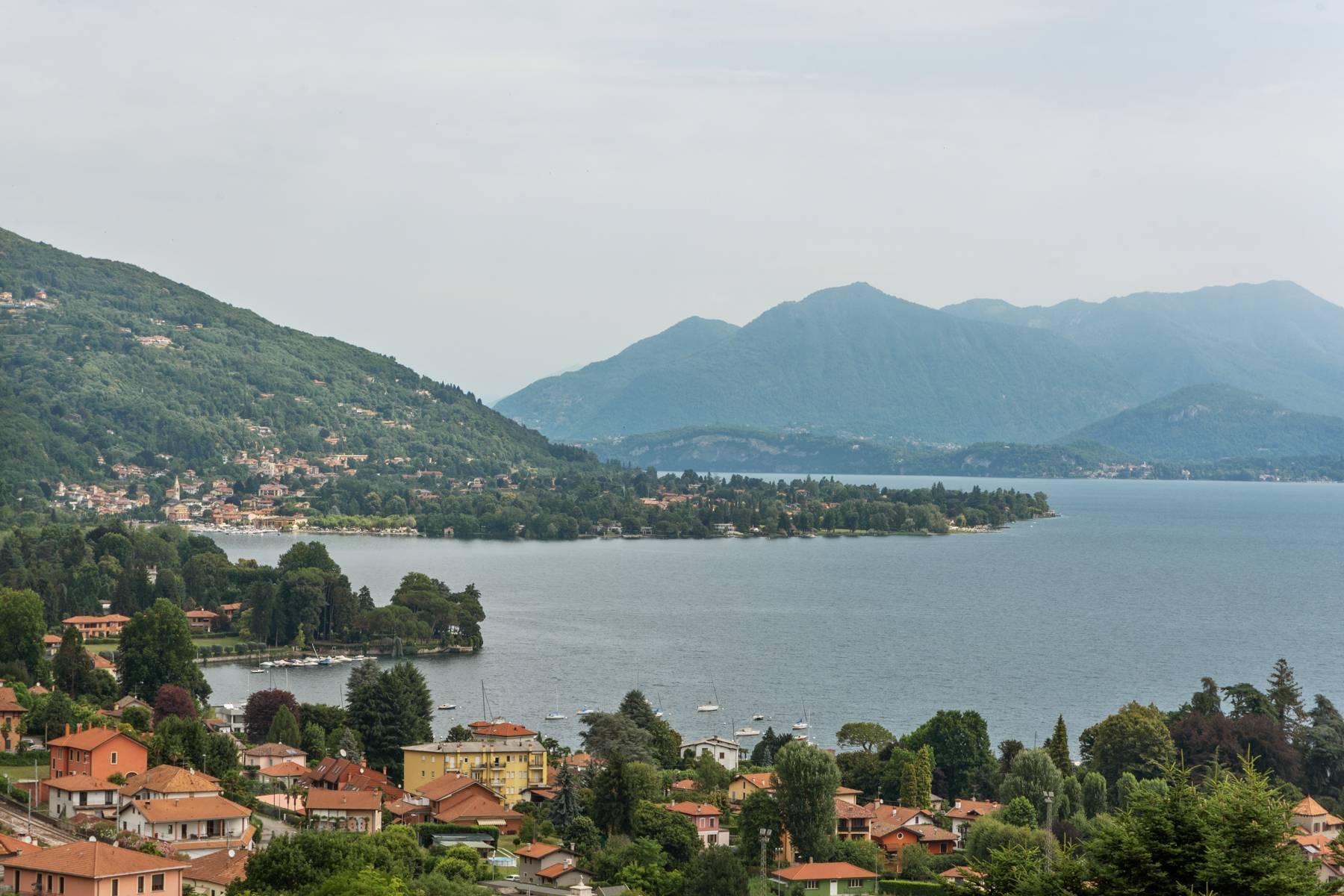 Villa sulle colline di Meina con vista lago - 3