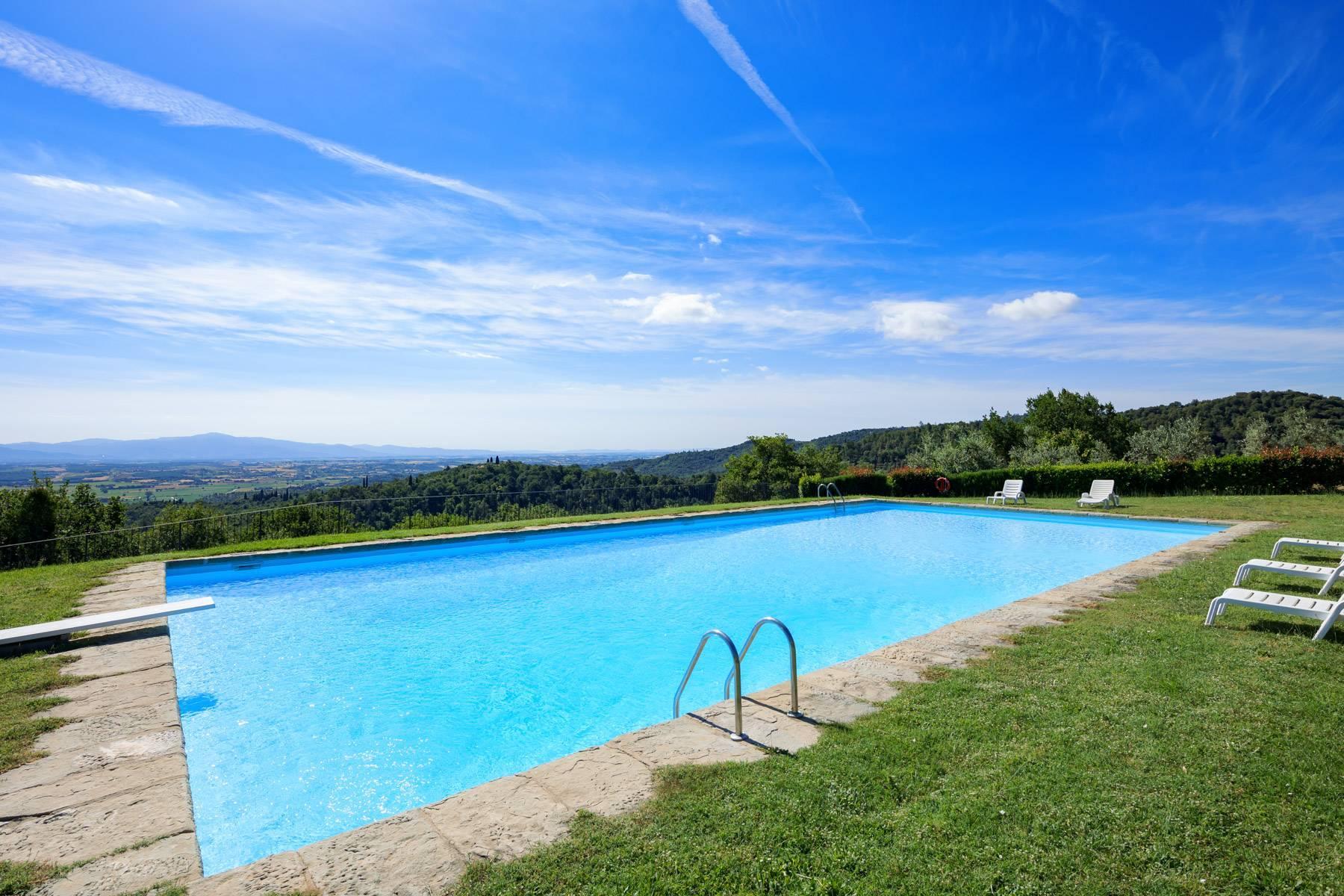 Wunderschönes Bauernhaus auf den Hügeln von Arezzo - 25