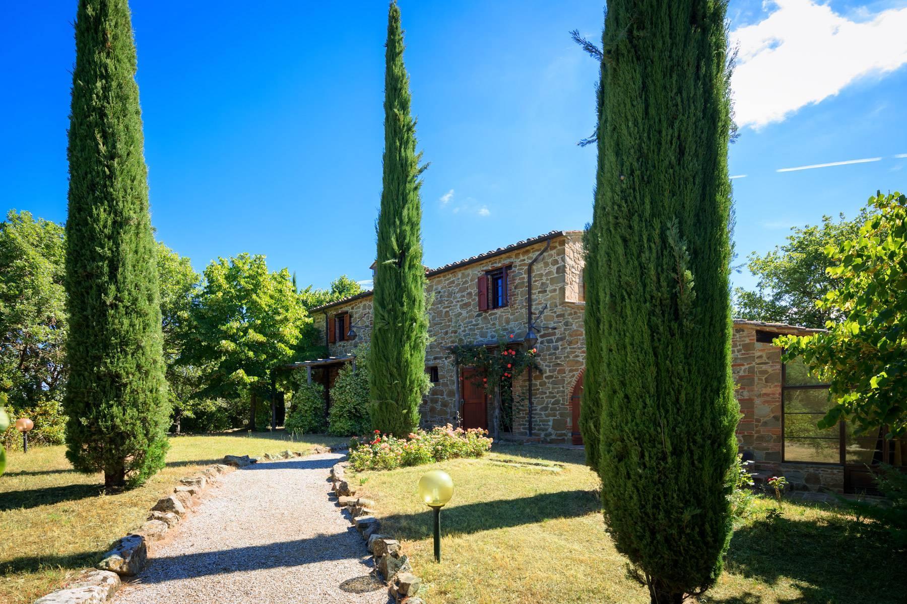 Wunderschönes Bauernhaus auf den Hügeln von Arezzo - 26