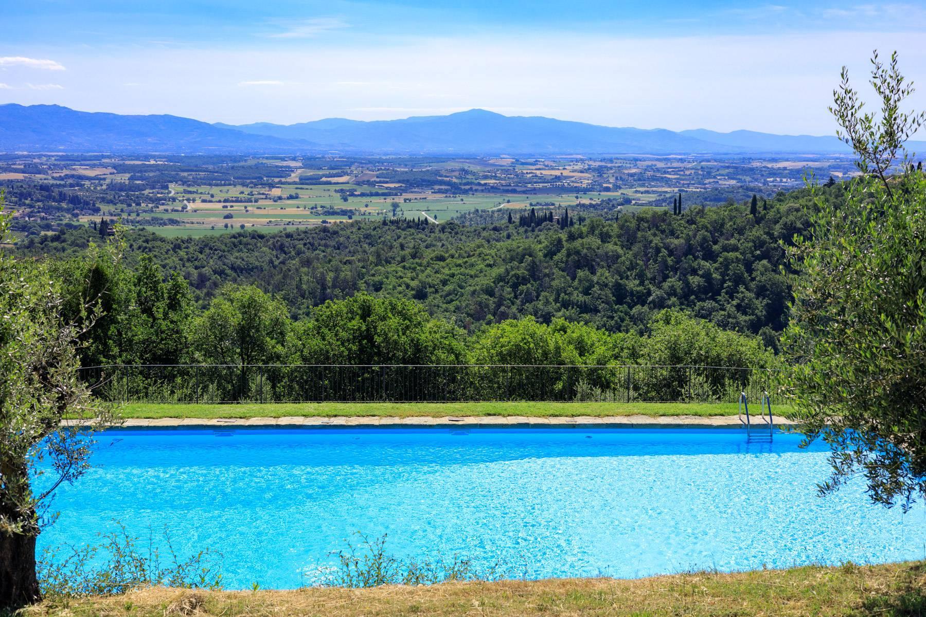 Wunderschönes Bauernhaus auf den Hügeln von Arezzo - 28