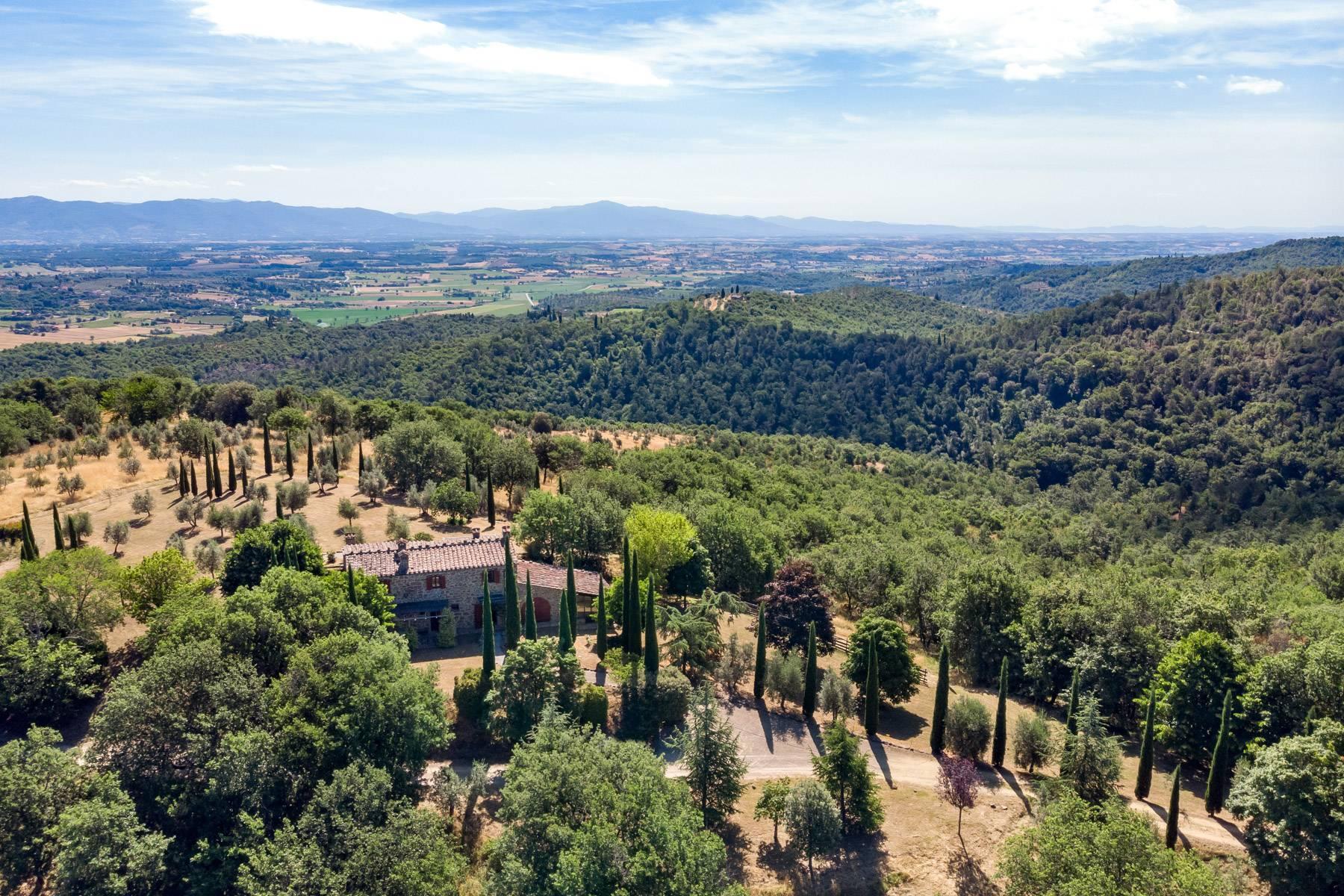 Wunderschönes Bauernhaus auf den Hügeln von Arezzo - 30
