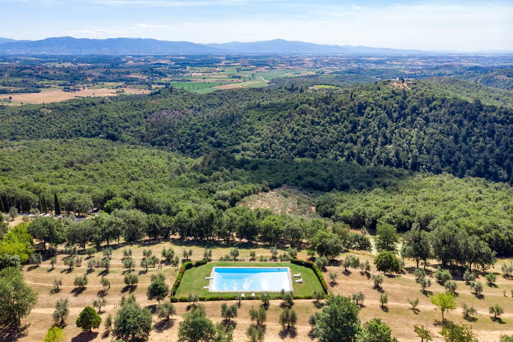 Wunderschönes Bauernhaus auf den Hügeln von Arezzo - 31