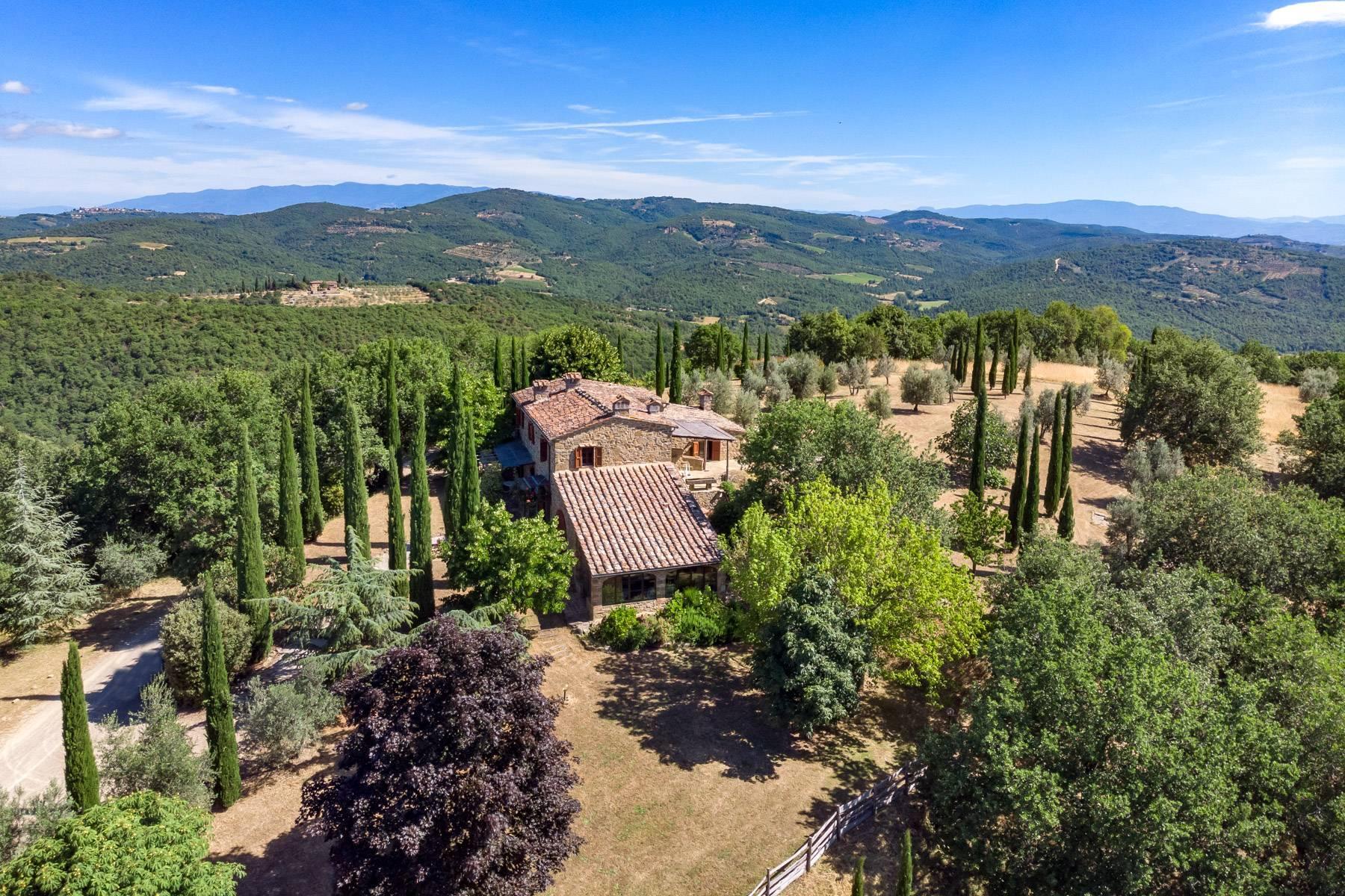 Wunderschönes Bauernhaus auf den Hügeln von Arezzo - 33