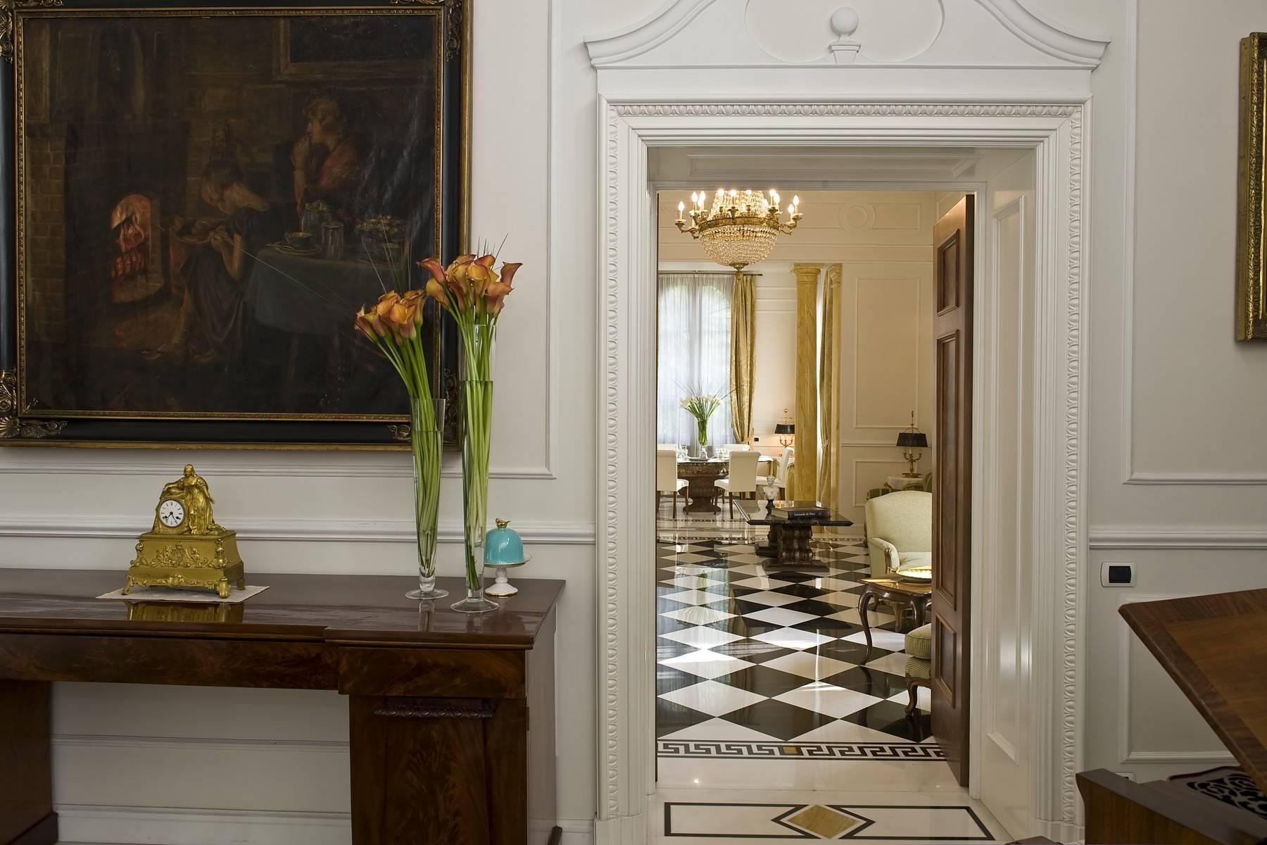 Elegante Villa mit privatem Garten - 10
