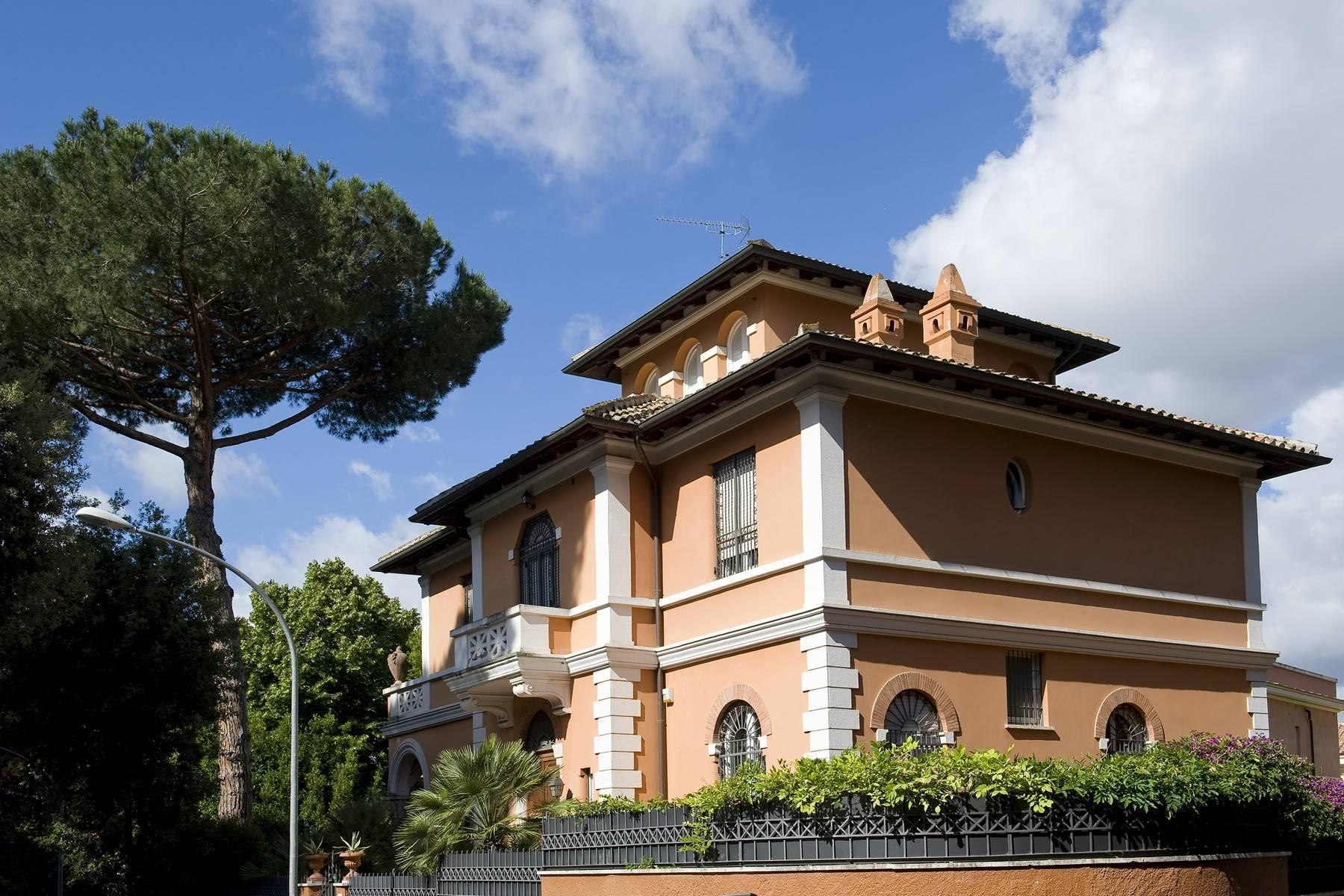 Elegante Villa mit privatem Garten - 20