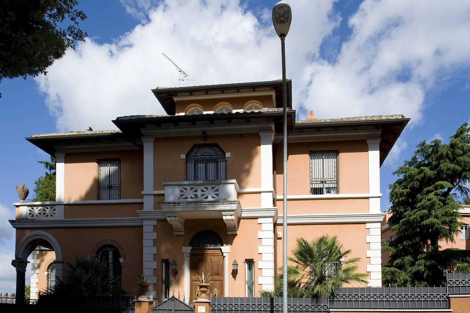 Elegante Villa mit privatem Garten - 26