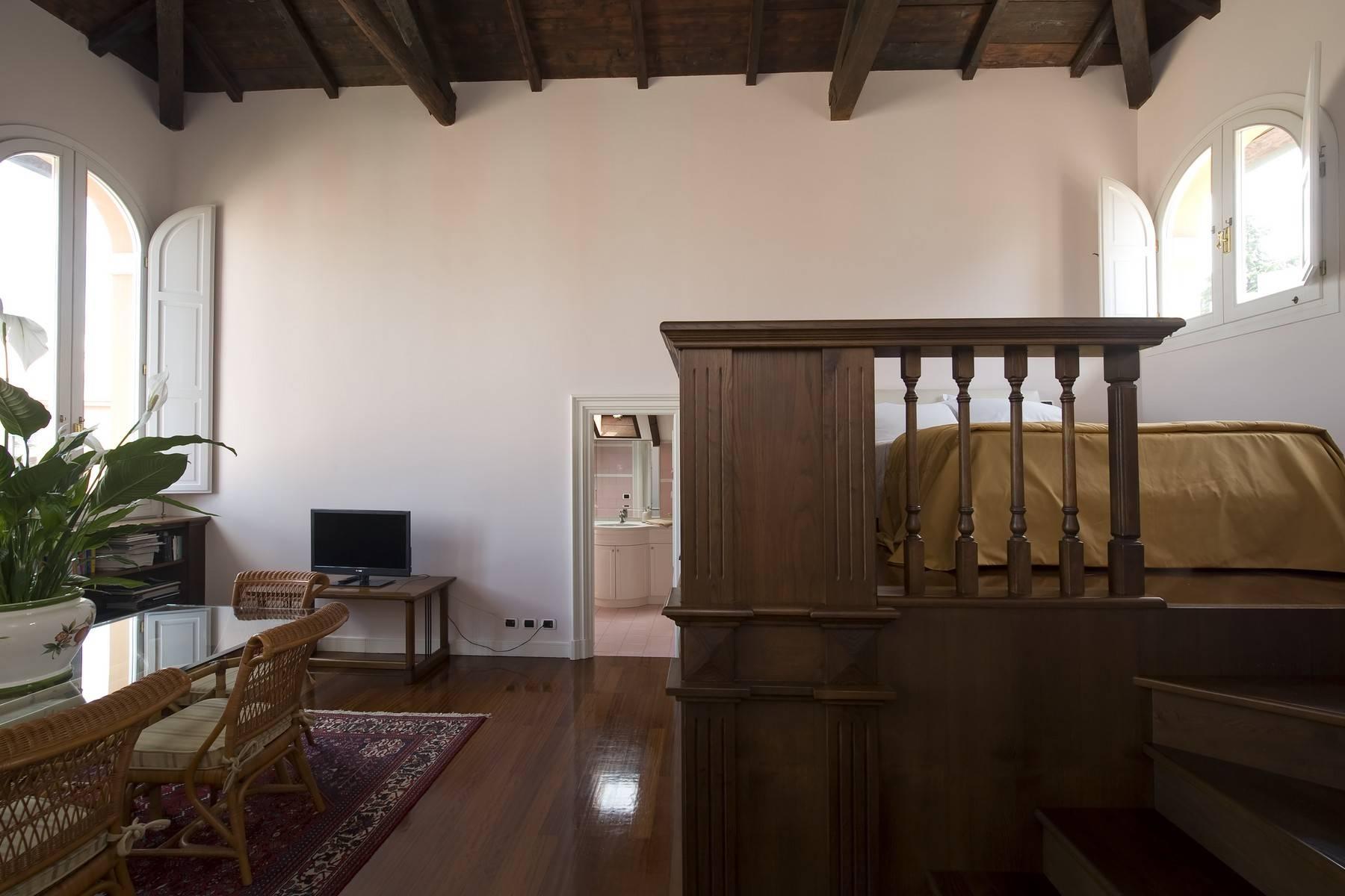 Elegante Villa mit privatem Garten - 23