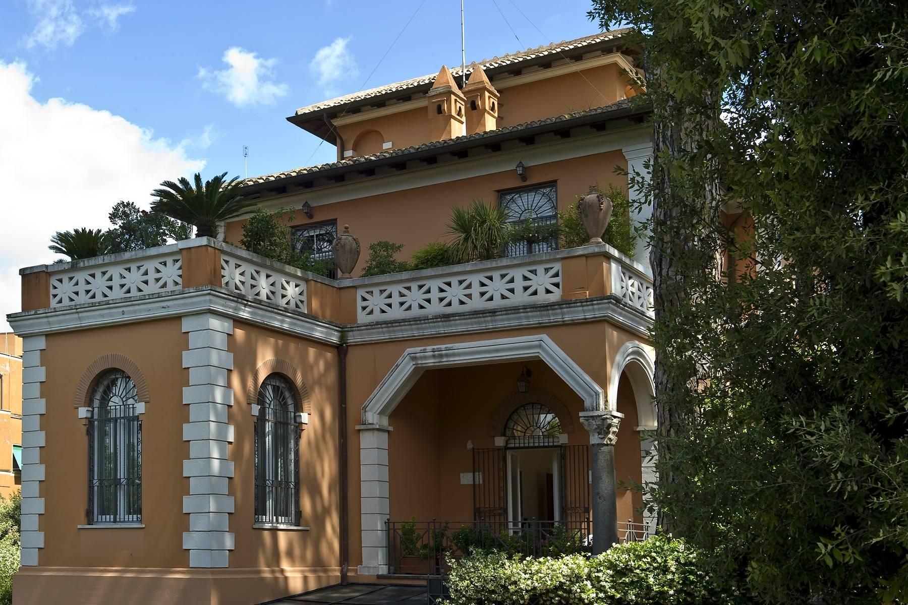 Elegante Villa mit privatem Garten - 24