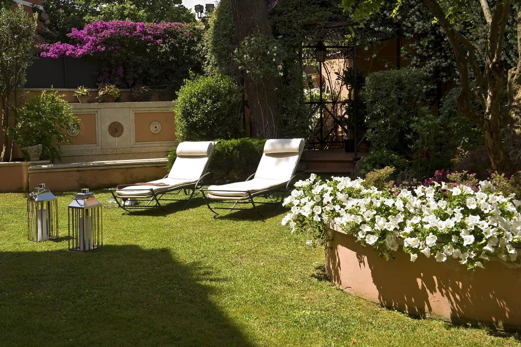 Elegante Villa mit privatem Garten - 21