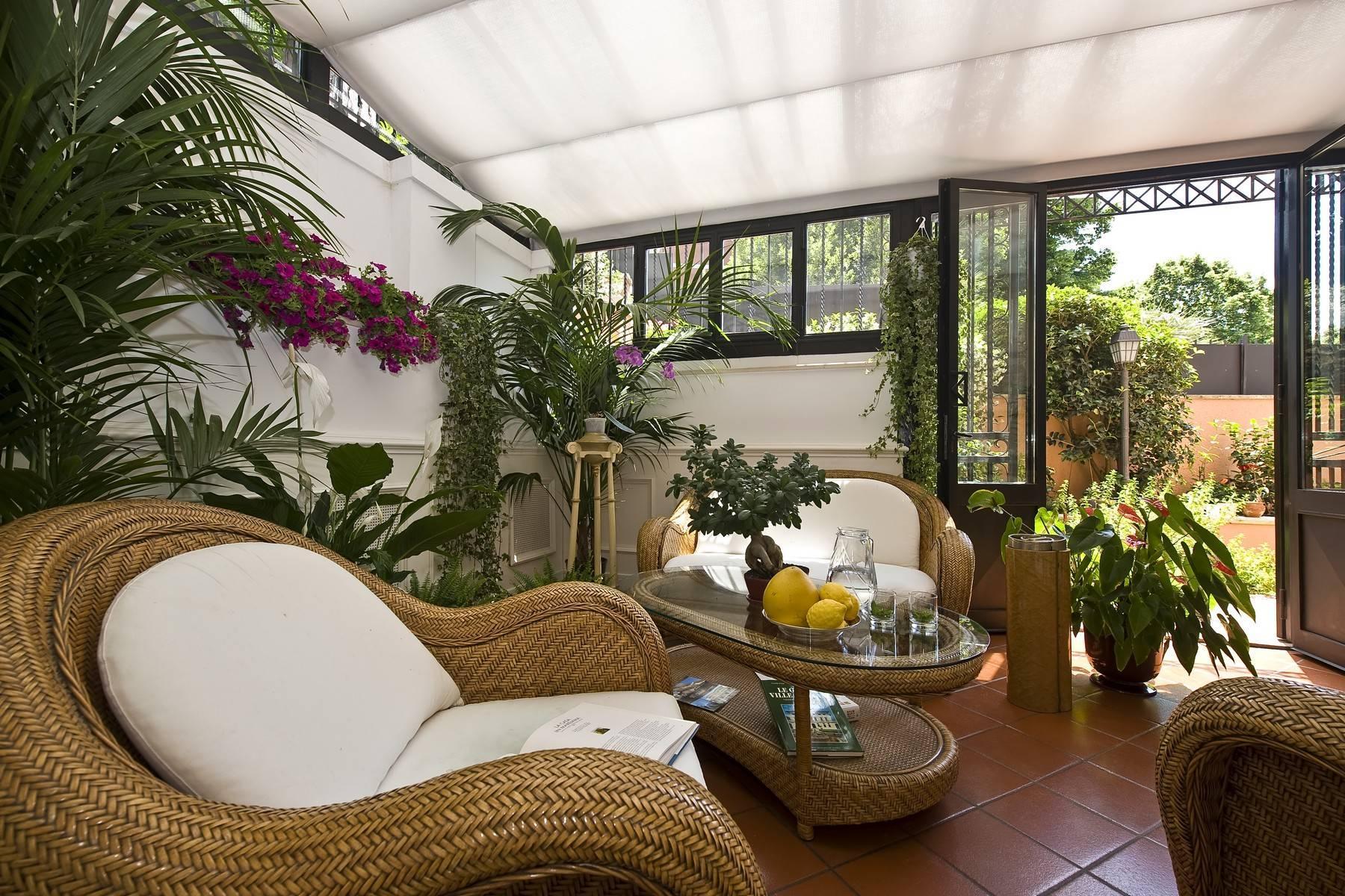 Elegante Villa mit privatem Garten - 25