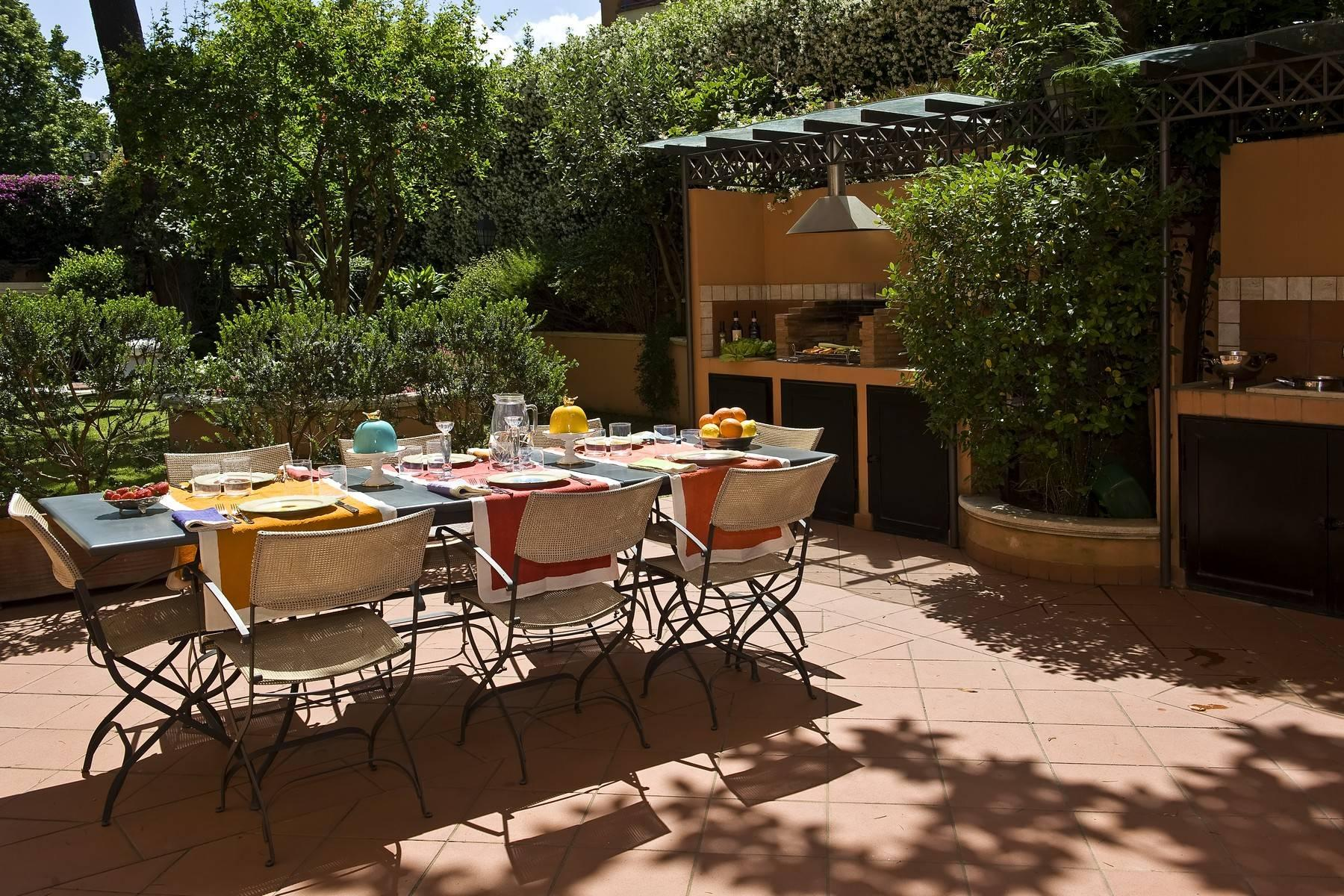 Elegante Villa mit privatem Garten - 28