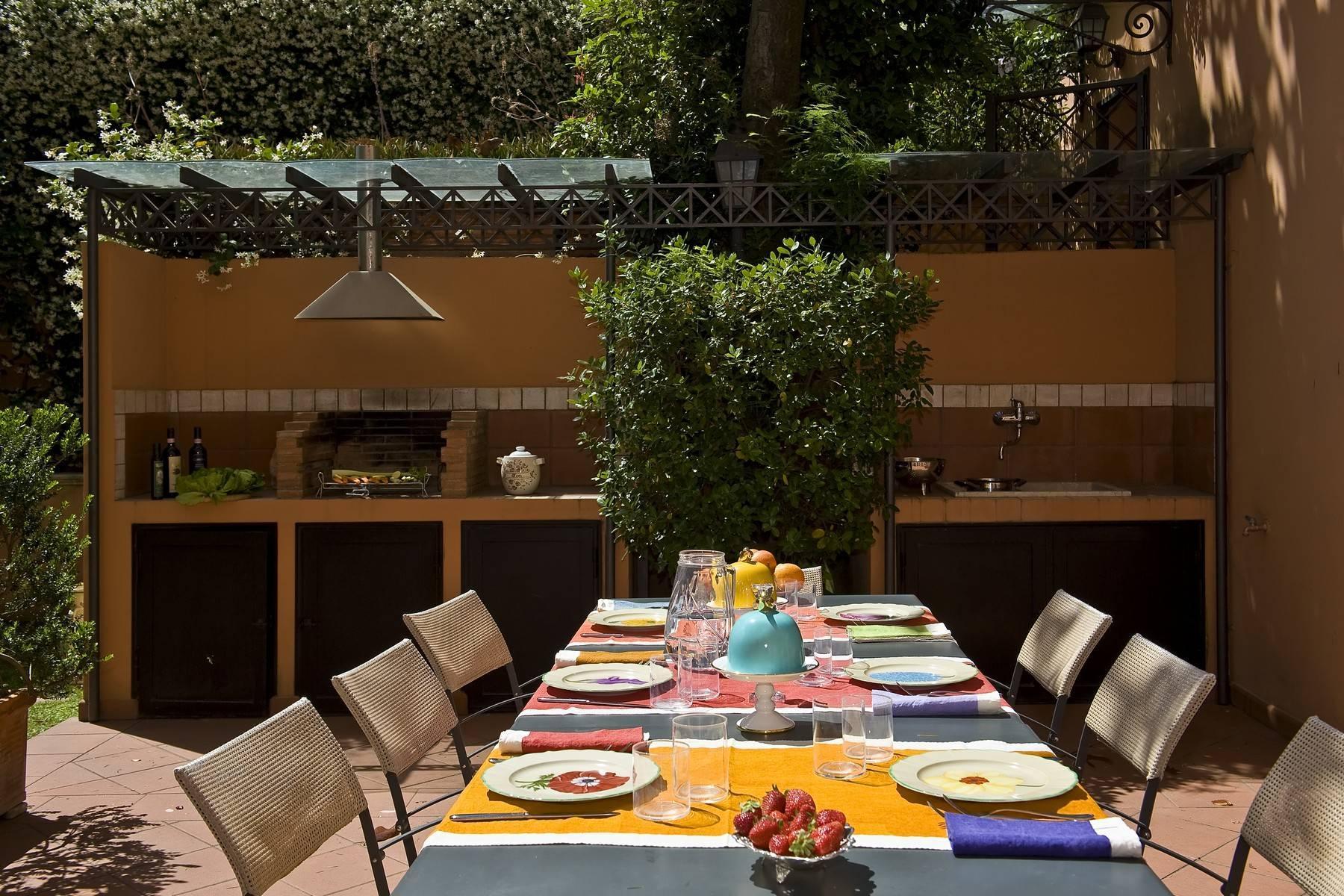 Elegante Villa mit privatem Garten - 29