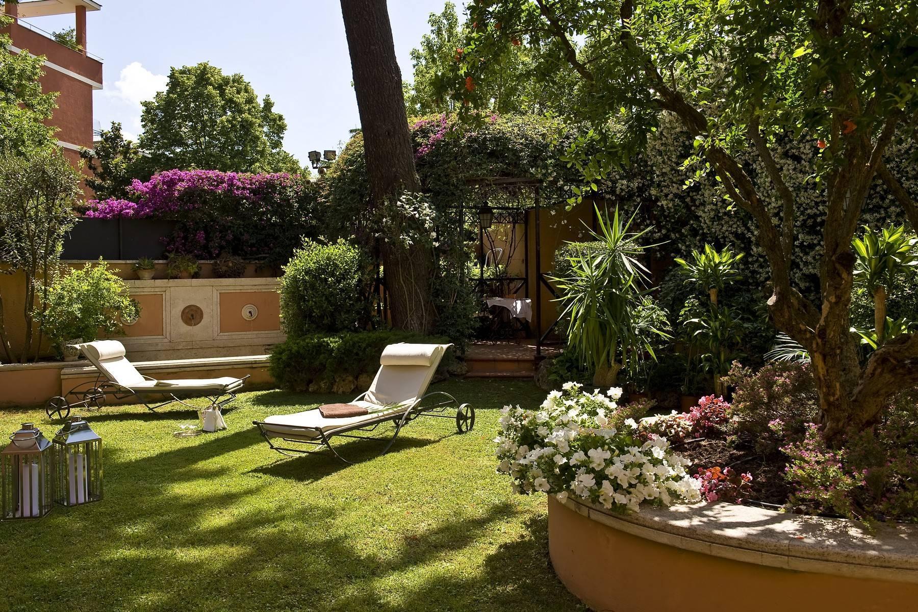Elegante Villa mit privatem Garten - 11